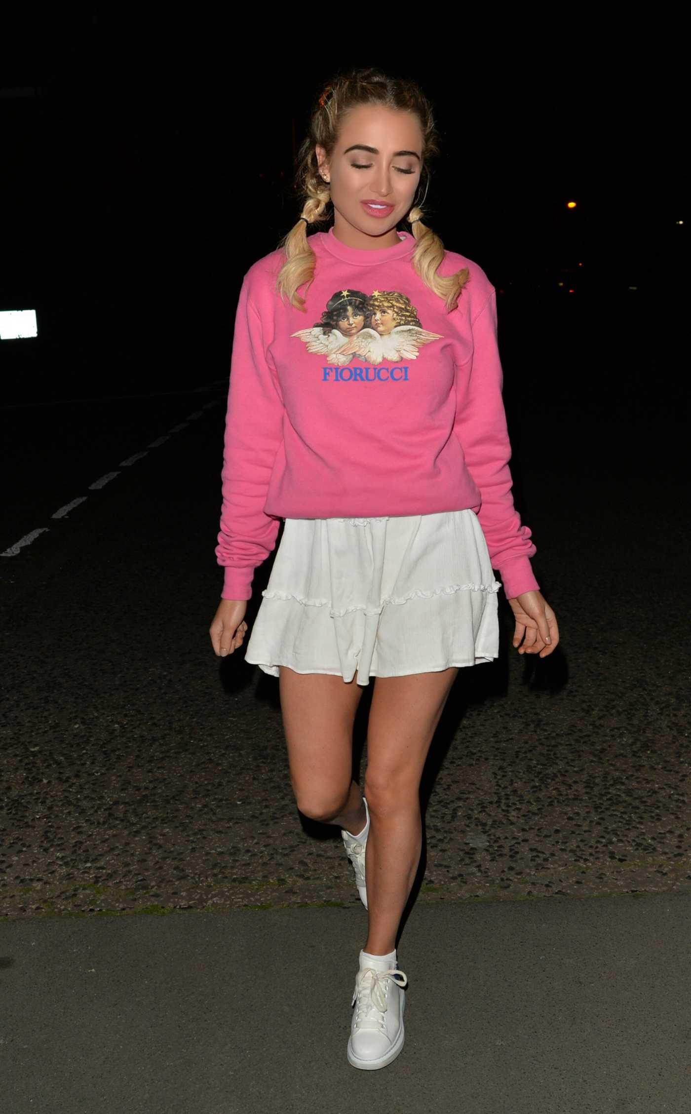 Georgia Harrison in a Pink Sweatshirt Arrives at Soho House in London 08/12/2019