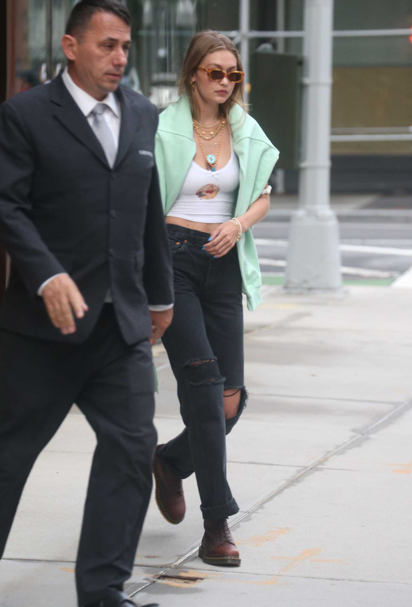 Gigi Hadid in a Black Ripped Jeans Was Seen Out in NY 08/21/2019