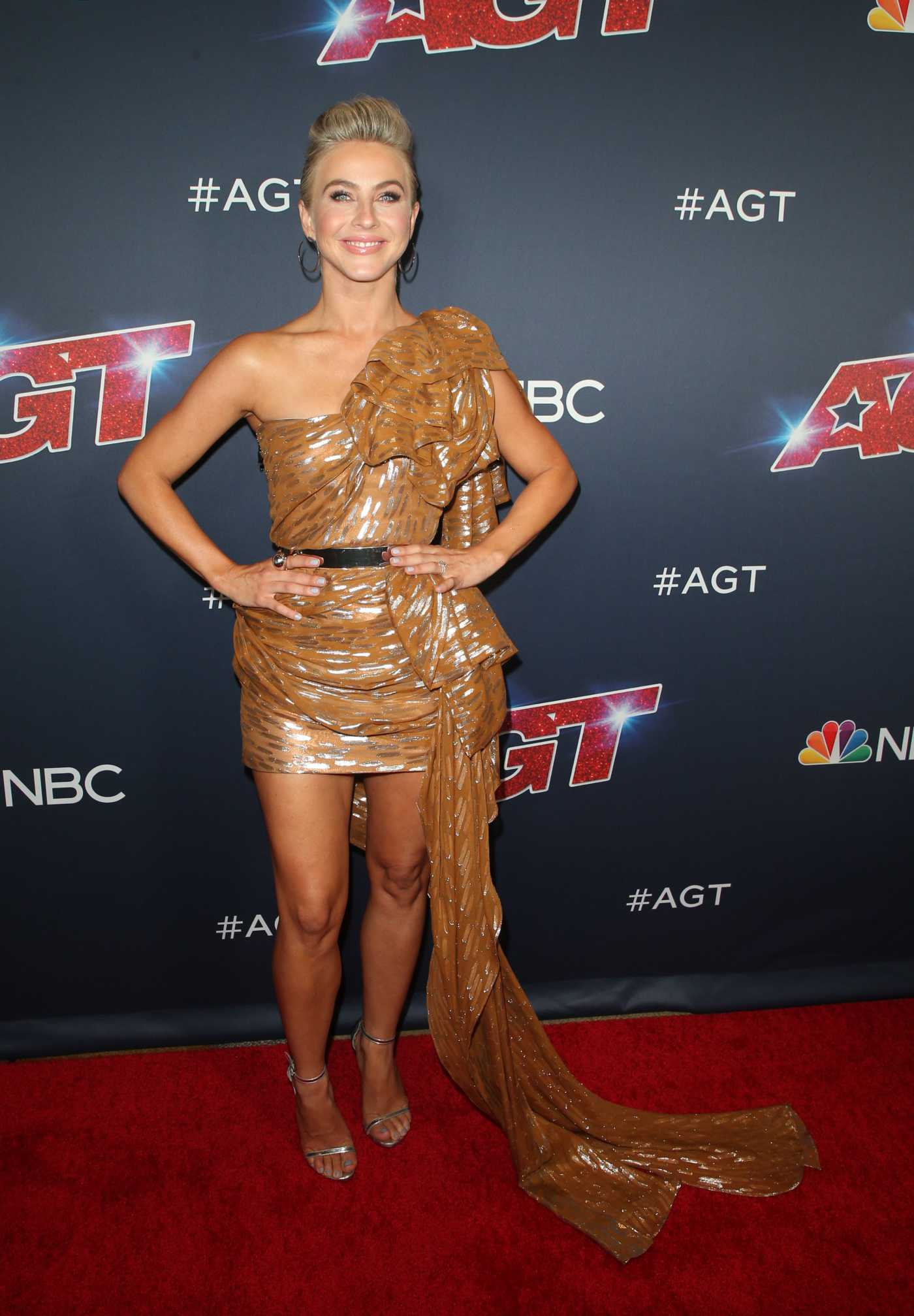 Julianne Hough Attends America's Got Talent Season 14 Live Show at Dolby Theatre in Hollywood 08/13/2019