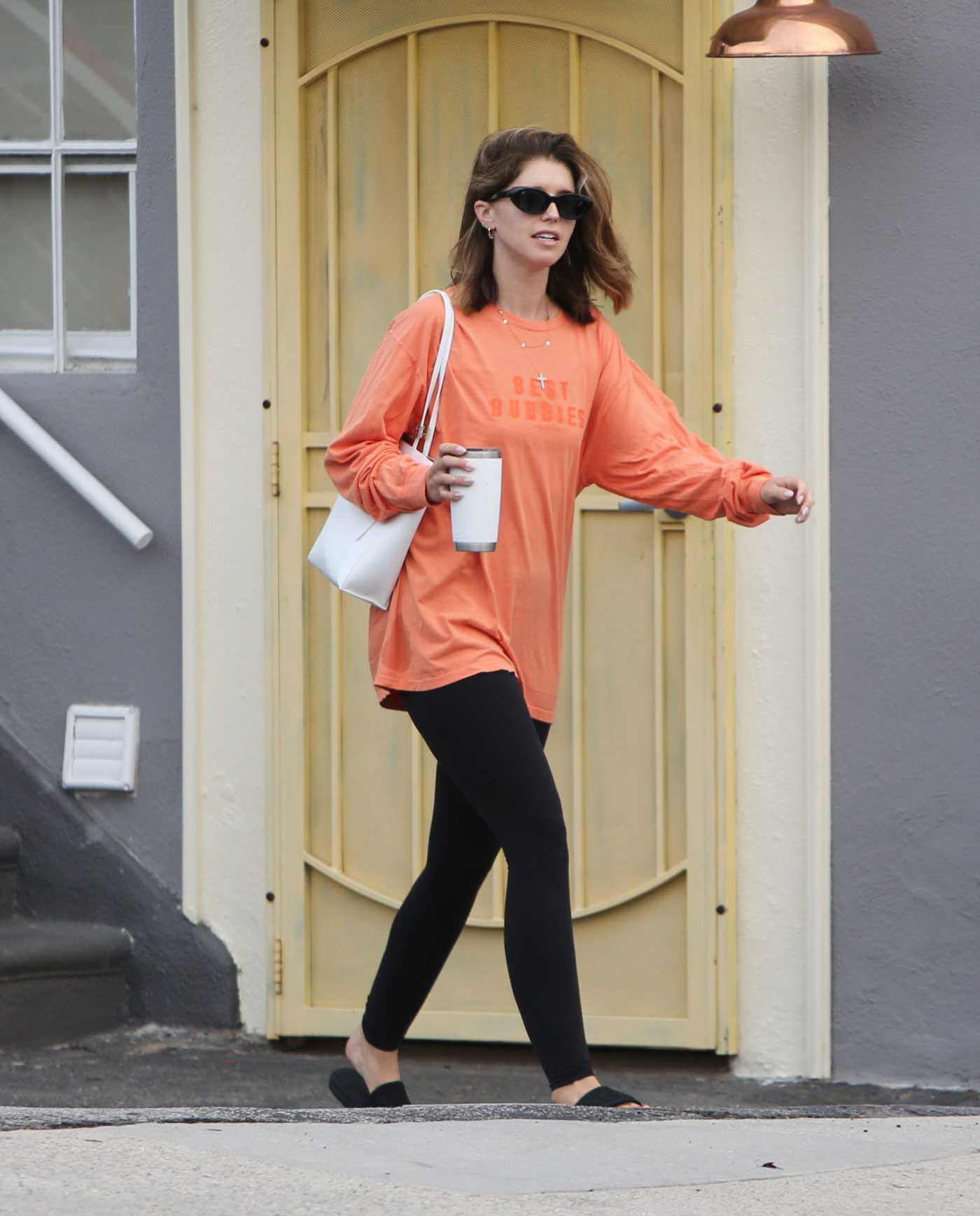 Katherine Schwarzenegger in an Orange Long Sleeves T-Shirt Leaves Her Morning Workout in Brentwood 08/07/2019
