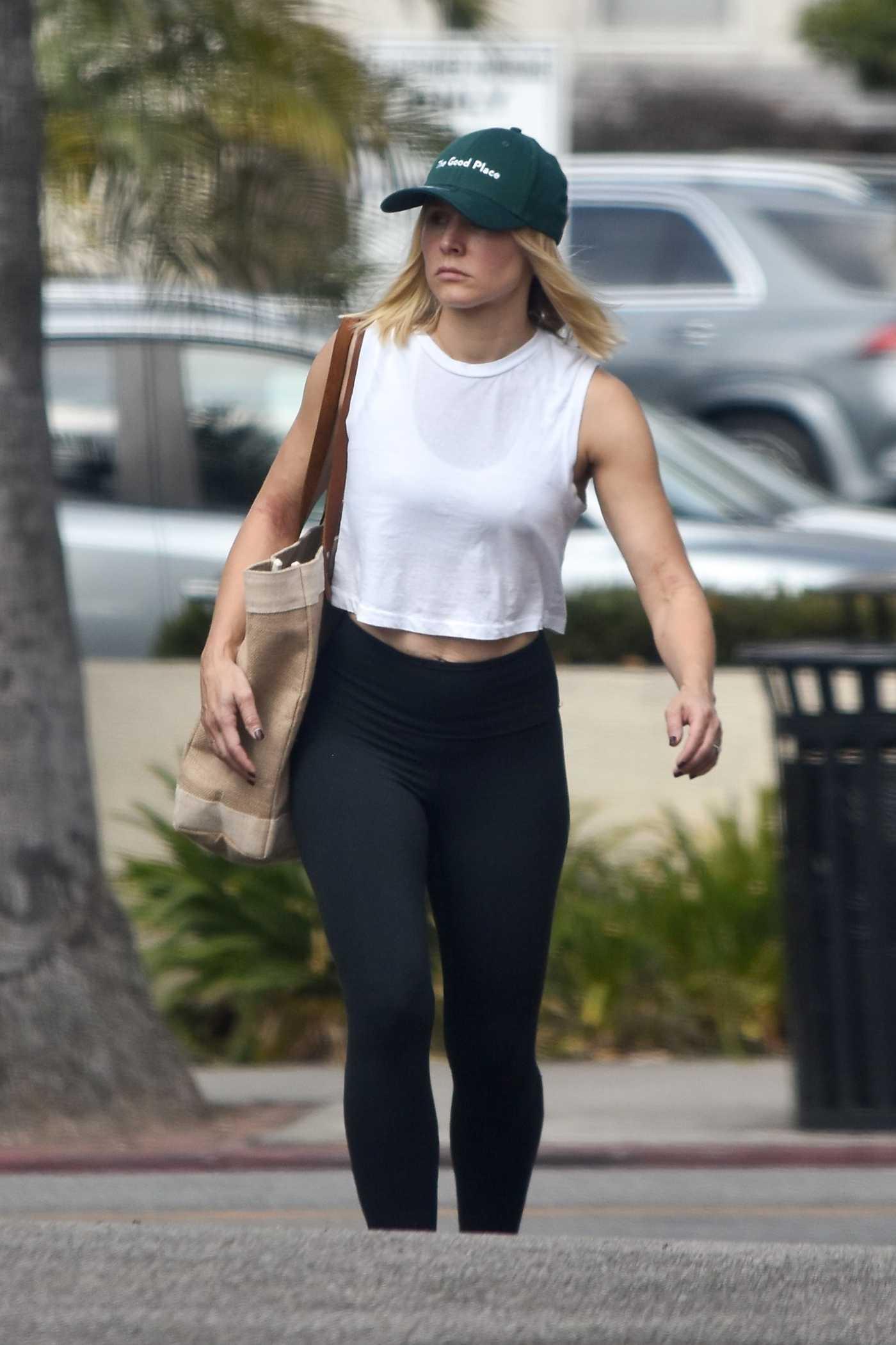 Kristen Bell in a Green Cap Was Seen Out in Los Feliz 08/23/2019