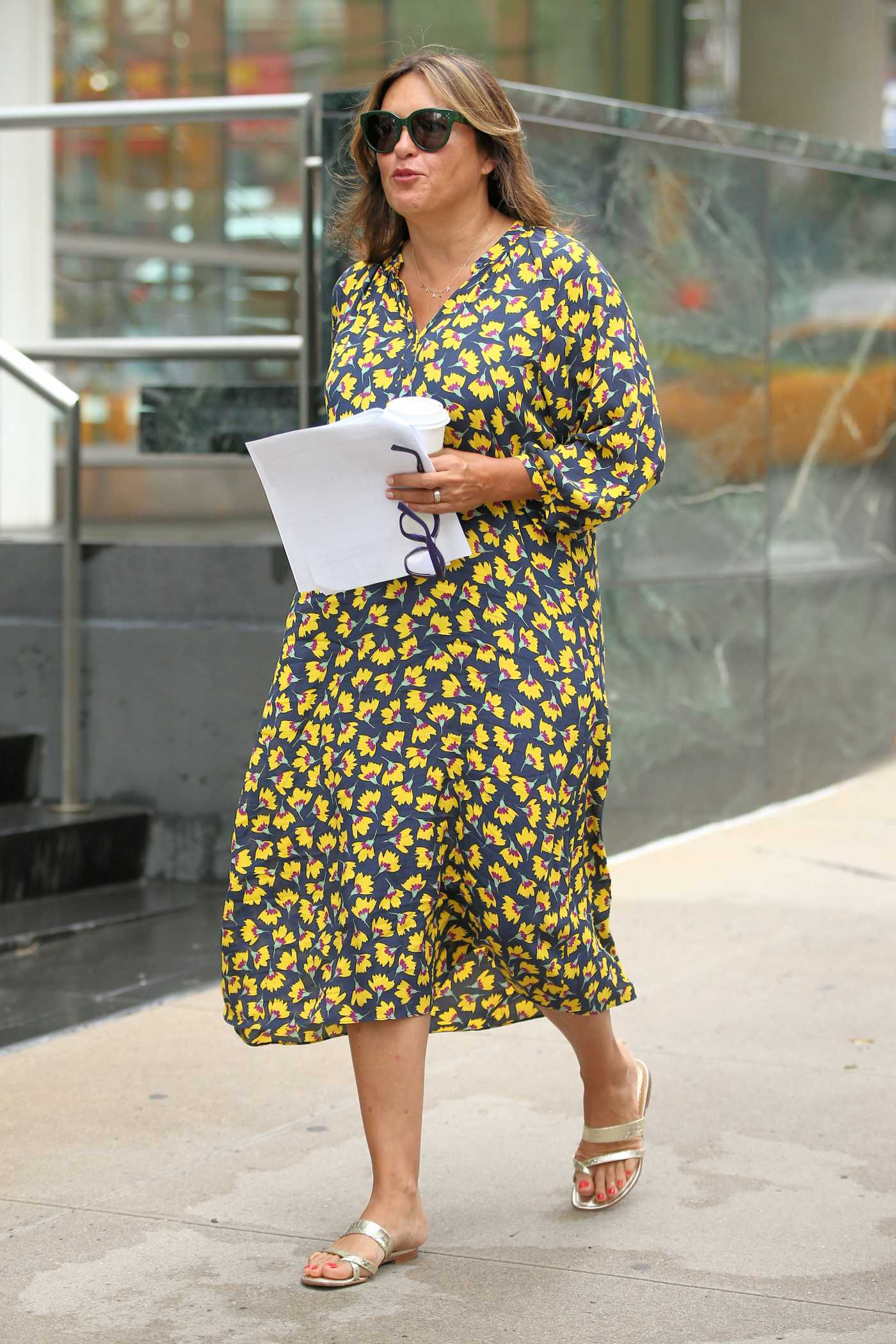 Mariska Hargitay in a Floral Dress on the Set of Law and Order: Special Victims Unit in New York 08/06/2019