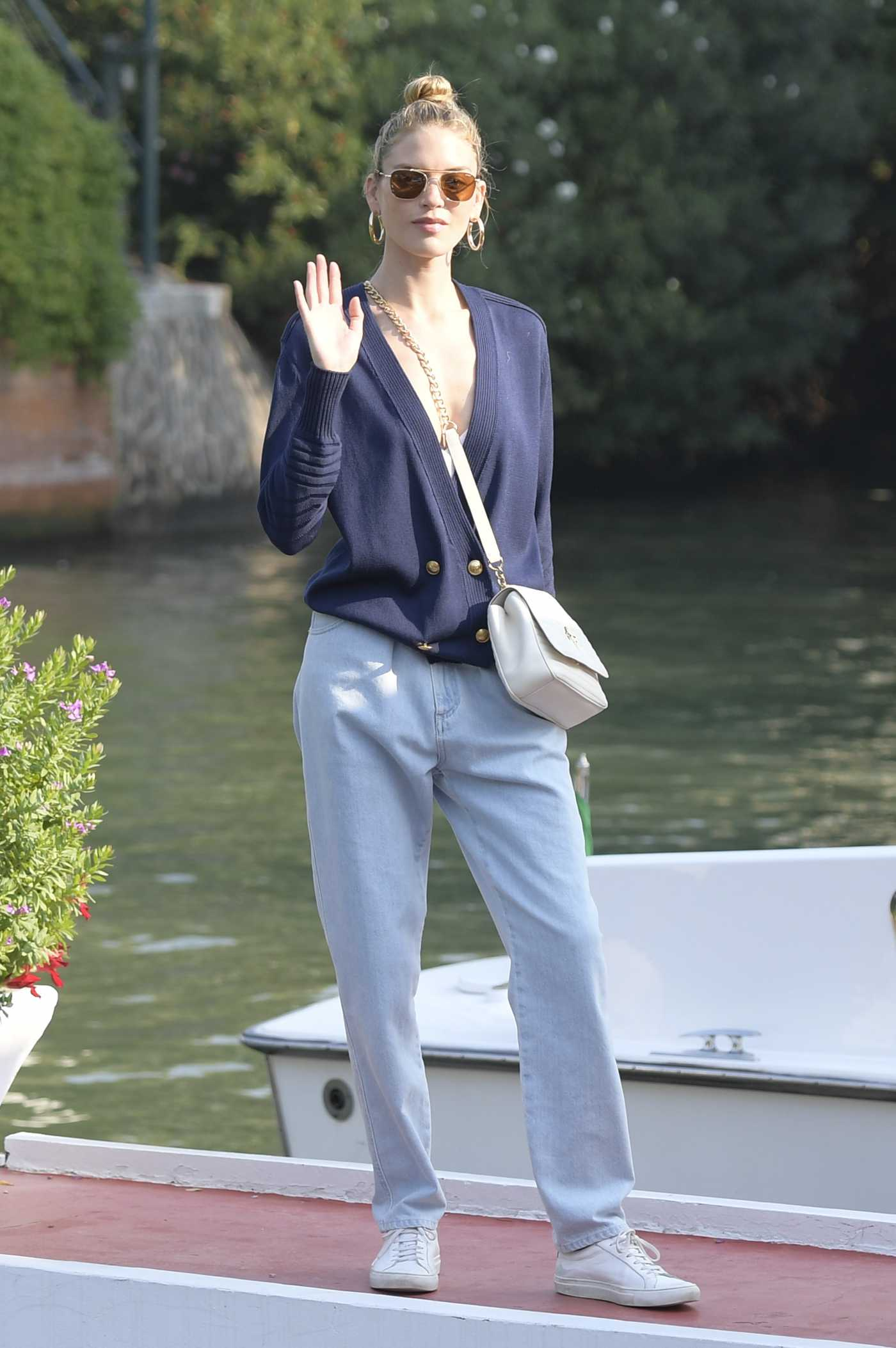 Martha Hunt in a White Sneakers Was Seen Out in Venice 08/29/2019