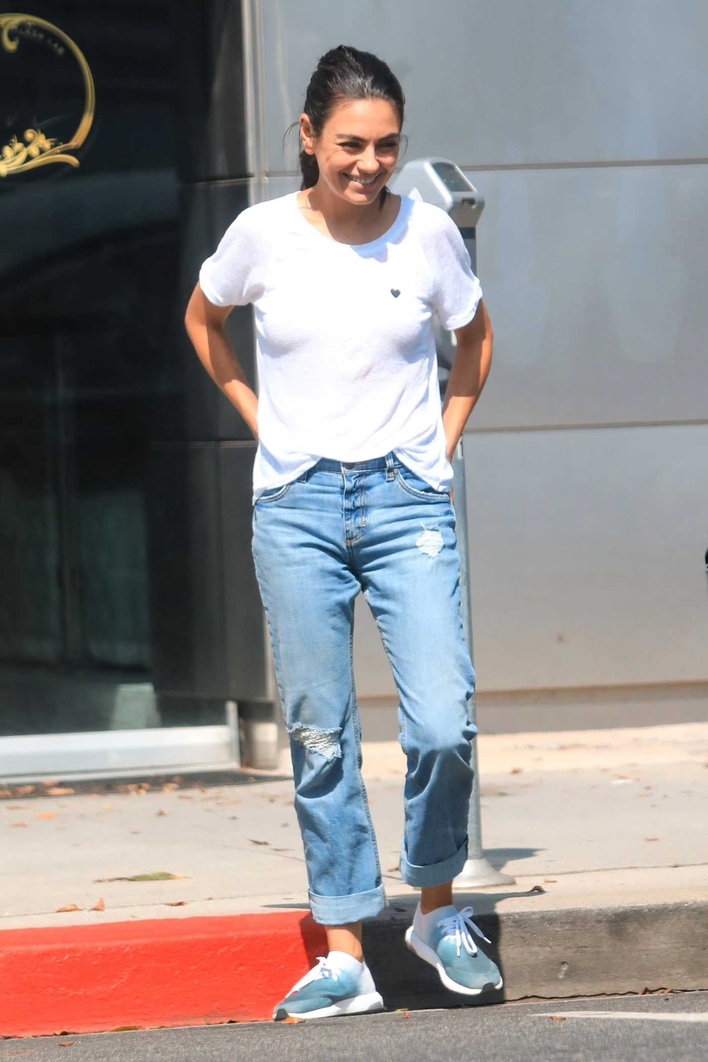Mila Kunis in a White Tee Was Seen Out in Los Angeles 08/12/2019