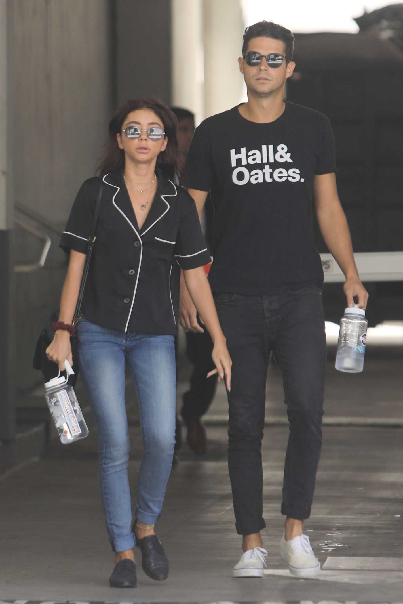 Sarah Hyland in a Blue Jeans Was Seen Out in Los Angeles 08/01/2019