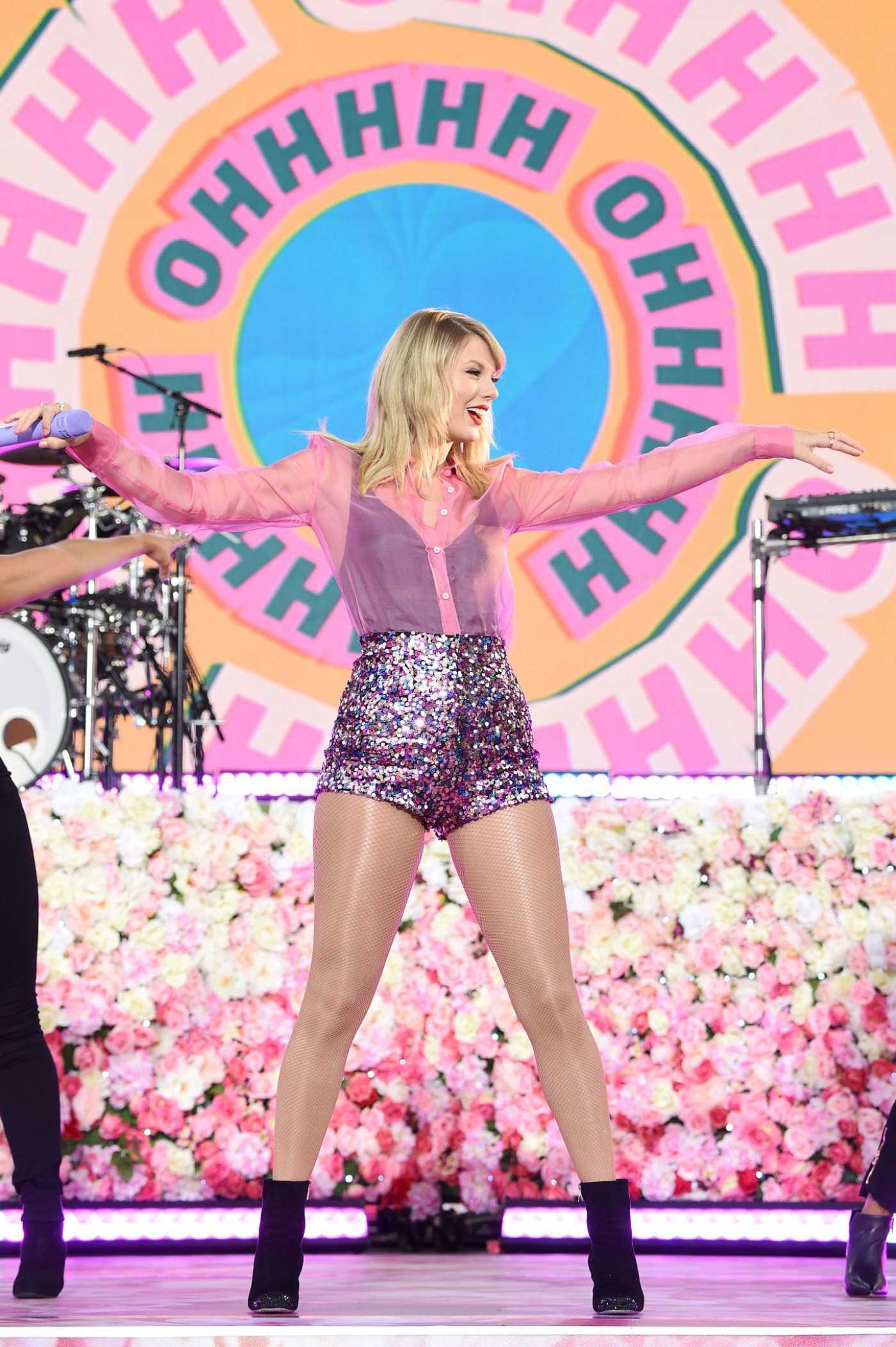 Taylor Swift Performs on Good Morning America at Rumsey Playfield in Central Park 08/22/2019
