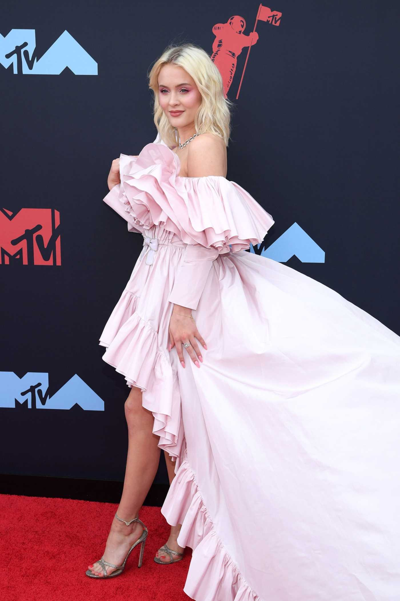 Zara Larsson Attends the 2019 MTV Video Music Awards at Prudential Center in New Jersey 08/26/2019