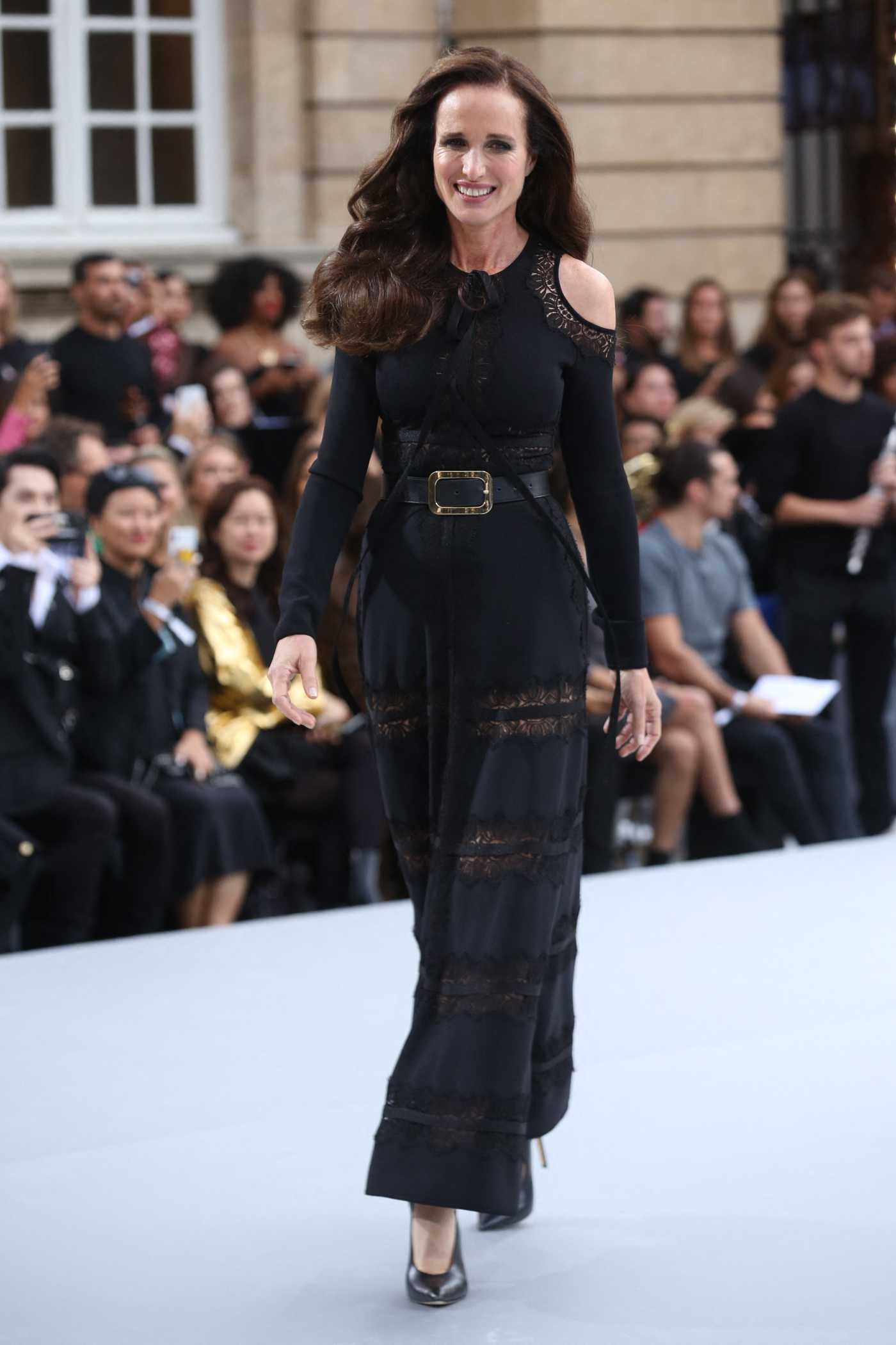 Andie MacDowell Arrives at the Le Defile L'Oreal Paris Show in Paris 09/28/2019