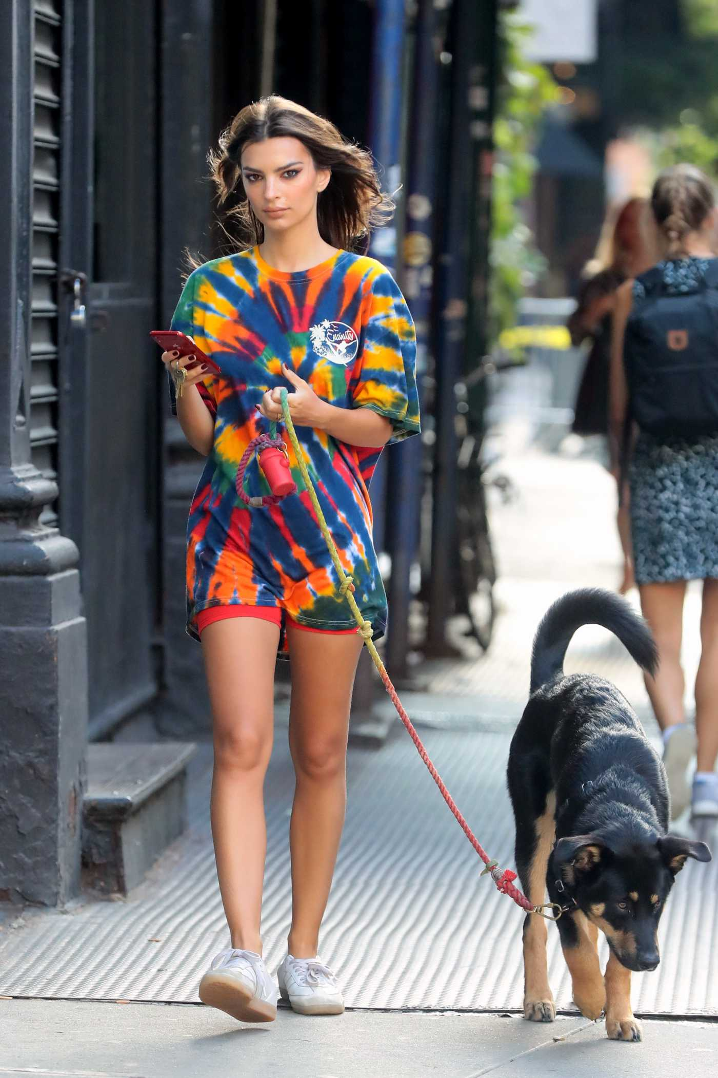 Emily Ratajkowski in Full Color Tee Walks Her Dog in New York 09/11/2019
