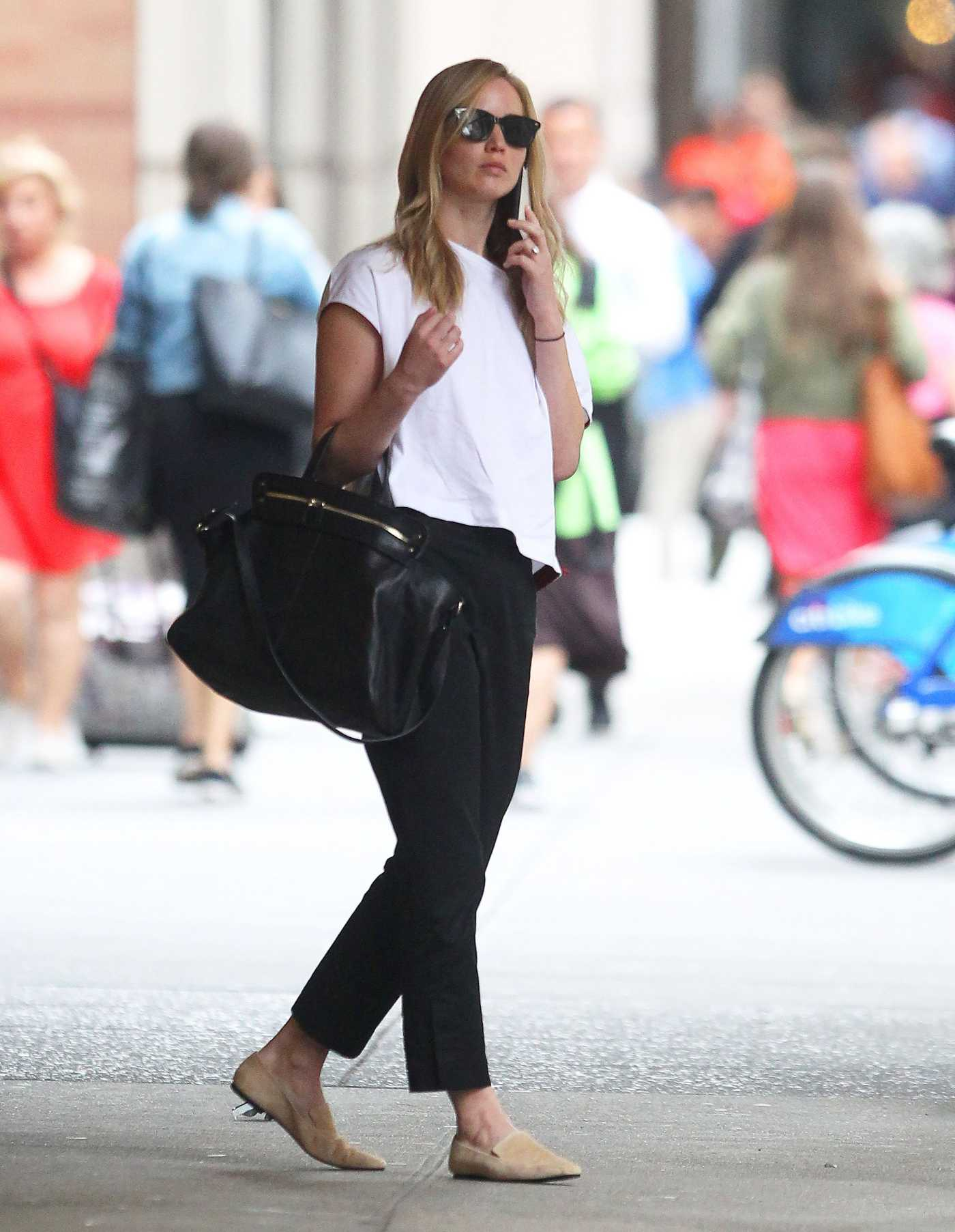 Jennifer Lawrence in a White Tee Was Seen Out in NY 09/05/2019
