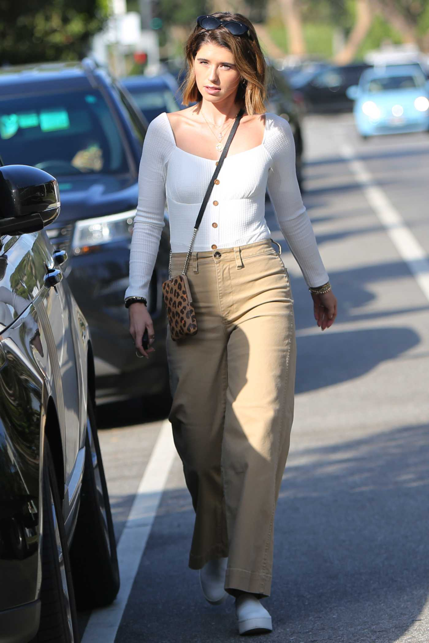 Katherine Schwarzenegger in a White Blouse Was Seen Out in Pacific Palisades 09/20/2019