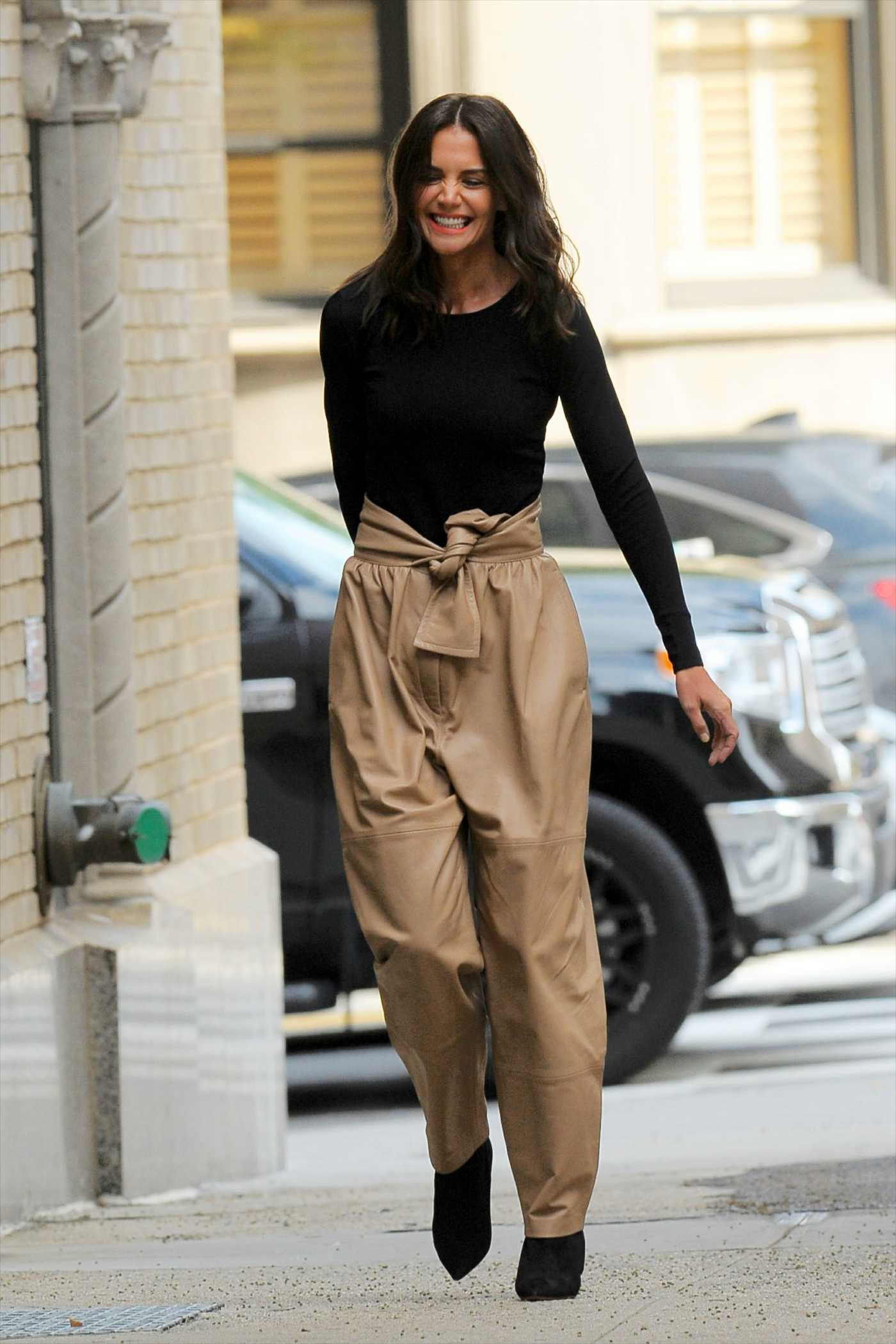 Katie Holmes in a Beige Pants Was Seen Out in New York City 09/09/2019