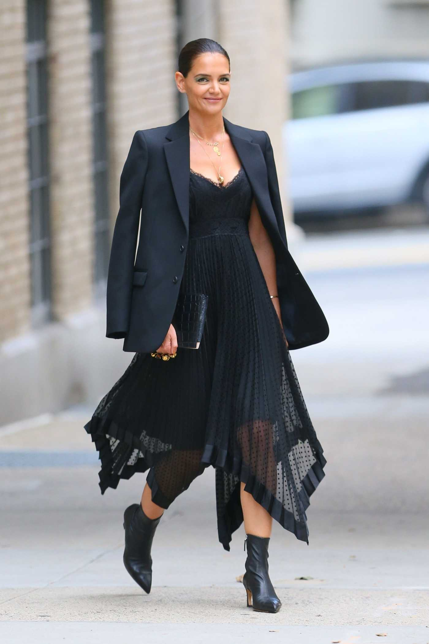 Katie Holmes in a Black Blazer Was Seen Out in NY 09/04/2019