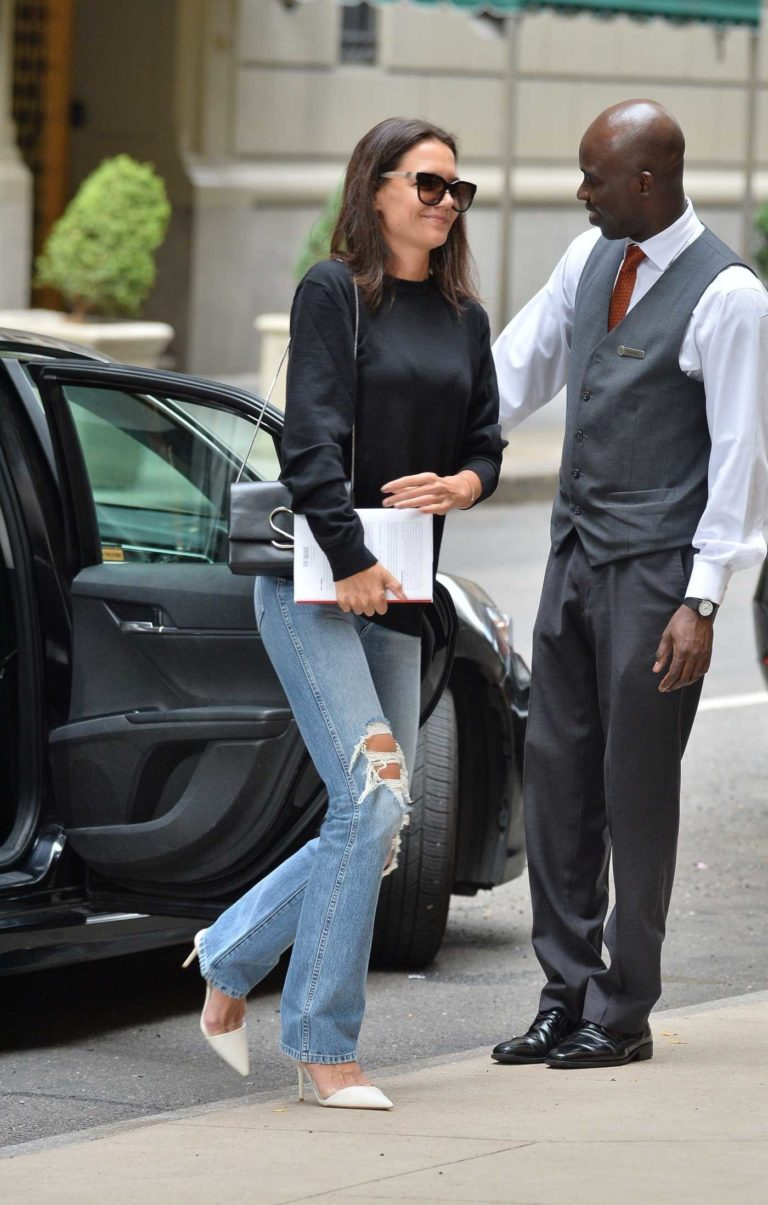 Katie Holmes in a Blue Ripped Jeans