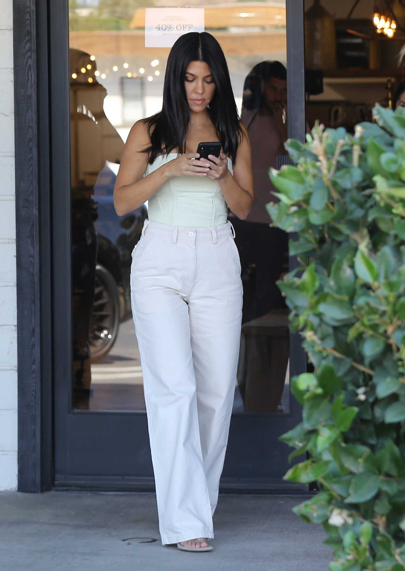 Kourtney Kardashian in a White Pants Was Seen Out in Calabasas 09/28/2019