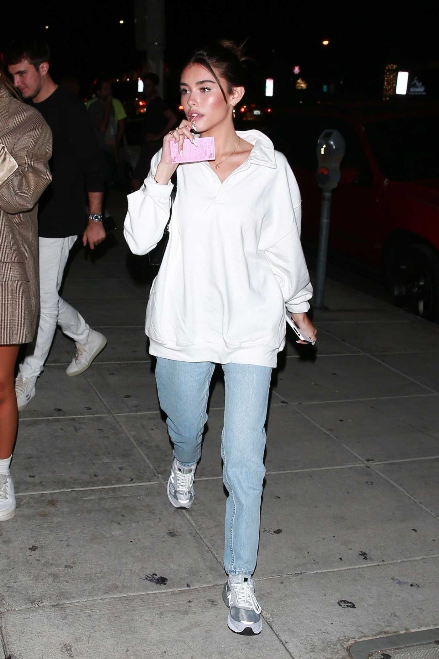 Madison Beer in a White Sweatshirt Was Seen Out with Her Friends in LA 09/21/2019