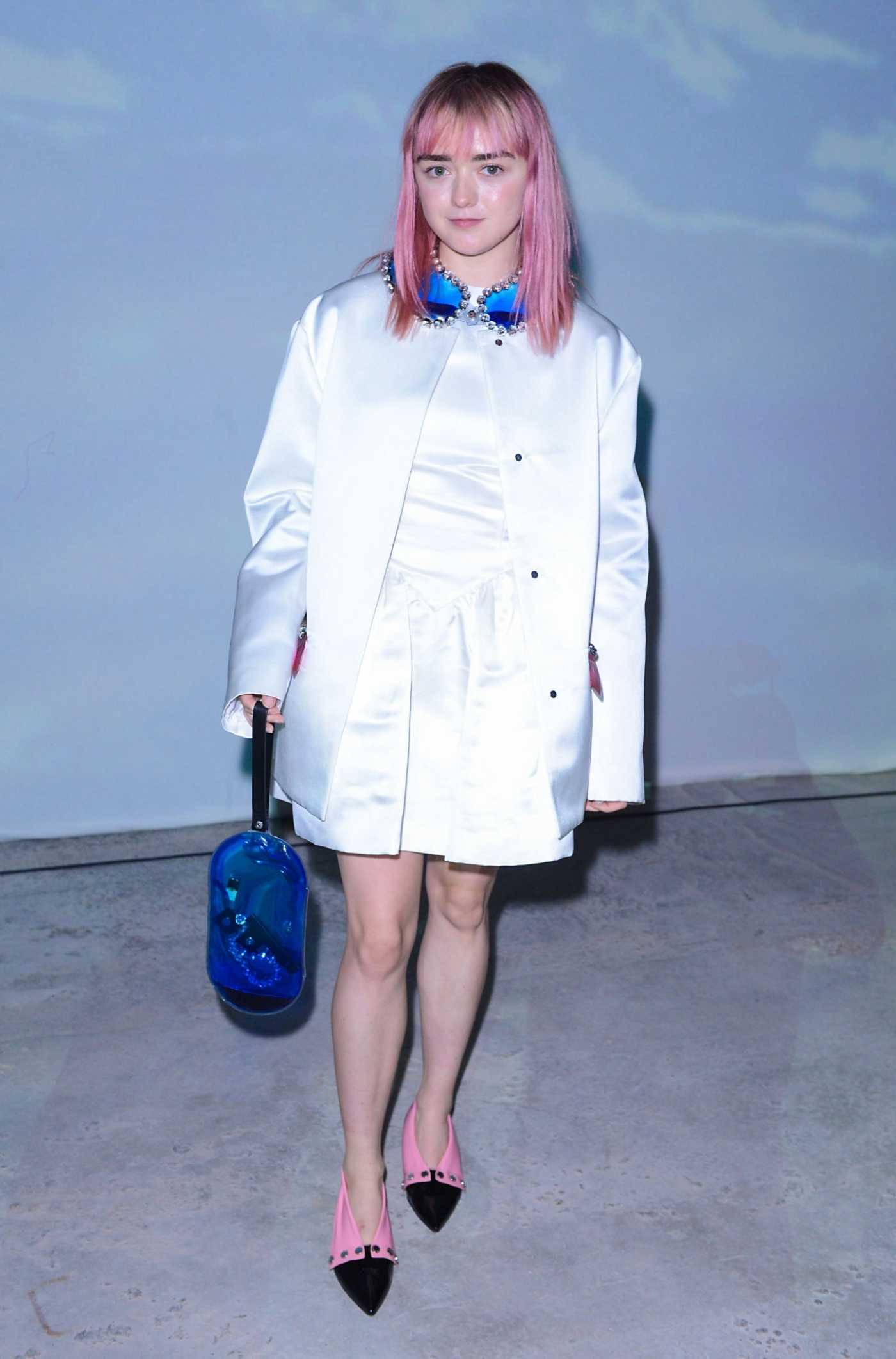 Maisie Williams Attends the Christopher Kane Fashion Show During 2019 London Fashion Week in London 09/16/2019