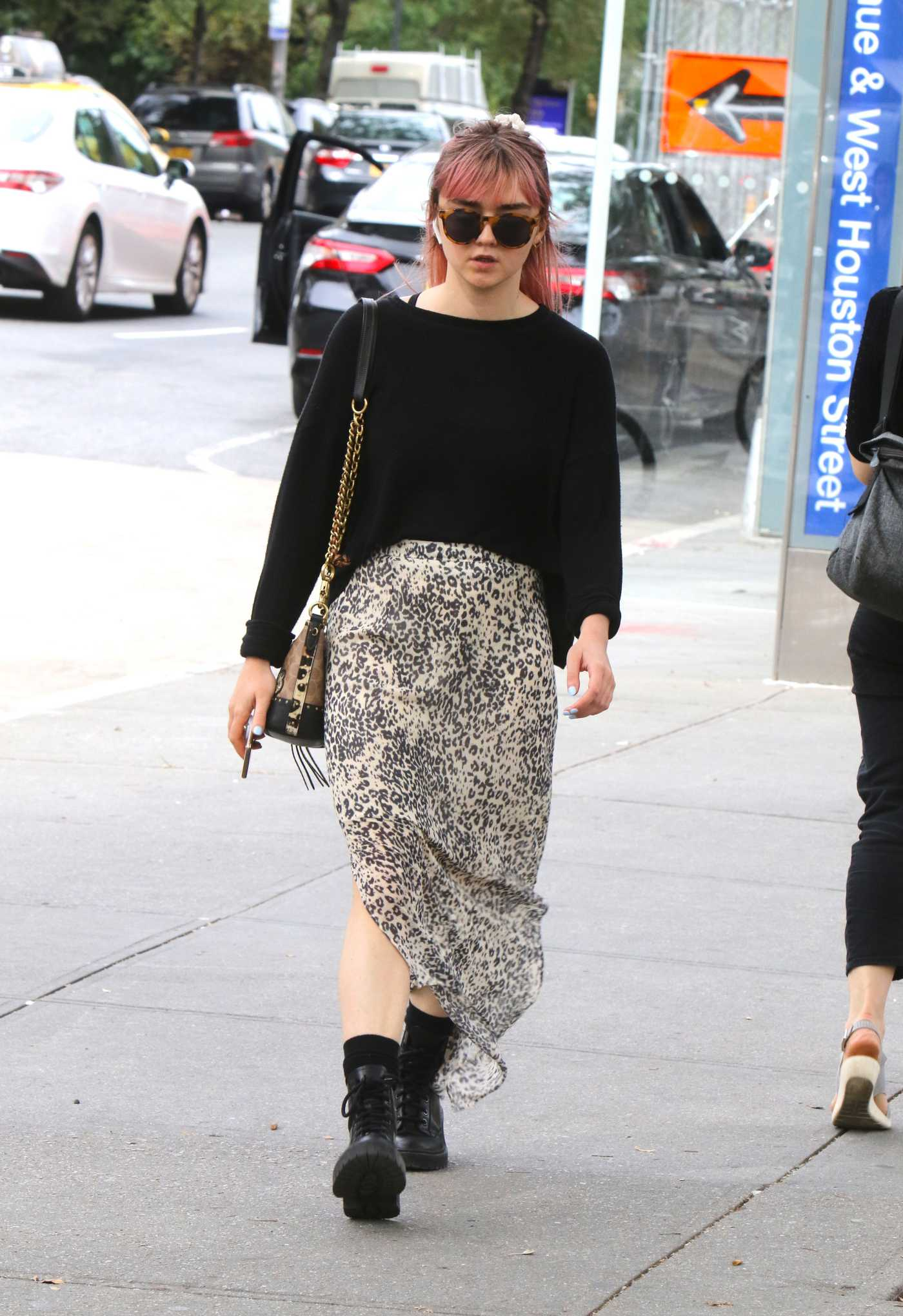 Maisie Williams in a Leopard Print Skirt Was Seen Out with Reuben Selby in NY 09/05/2019