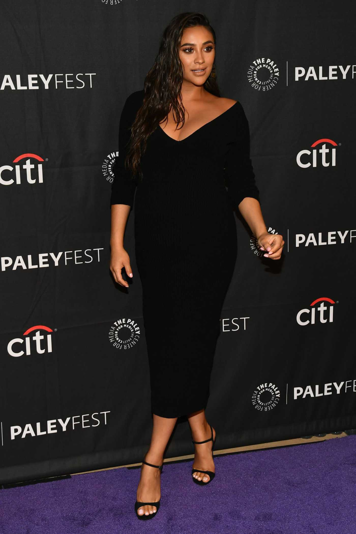 Shay Mitchell Attends Hulu's Dollface Presentation at PaleyFest in Beverly Hills 09/10/2019
