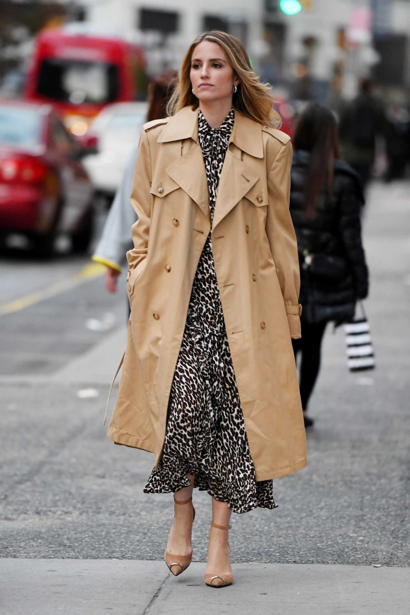 Dianna Agron in a Beige Trench Coat Was Seen Out in NYC 10/28/2019