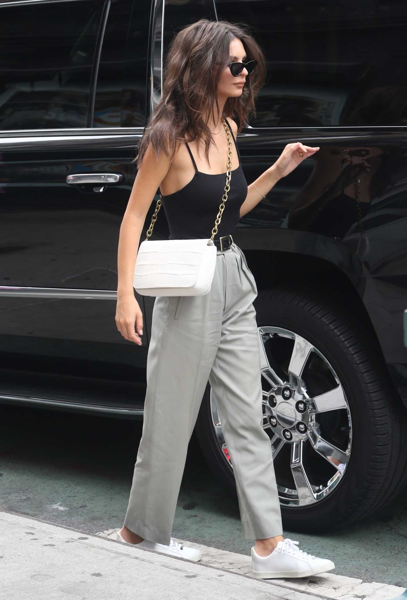 Emily Ratajkowski in a Black Top Was Seen Out in New York City 10/02/2019
