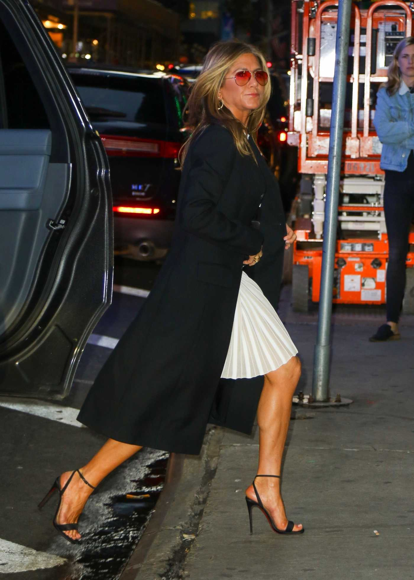 Jennifer Aniston Arrives at Good Morning America in New York 10/27/2019