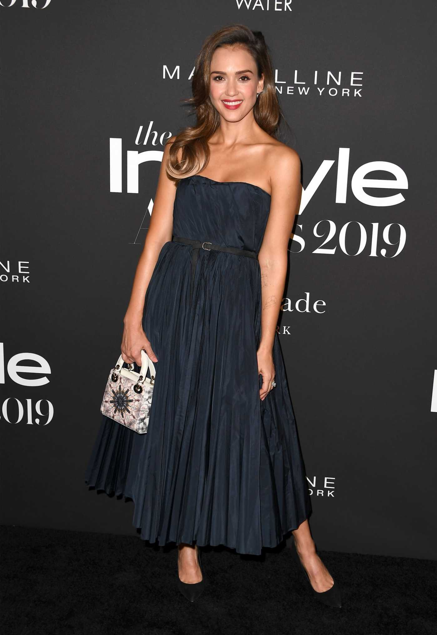 Jessica Alba Attends the 5th Annual InStyle Awards in Los Angeles 10/21/2019