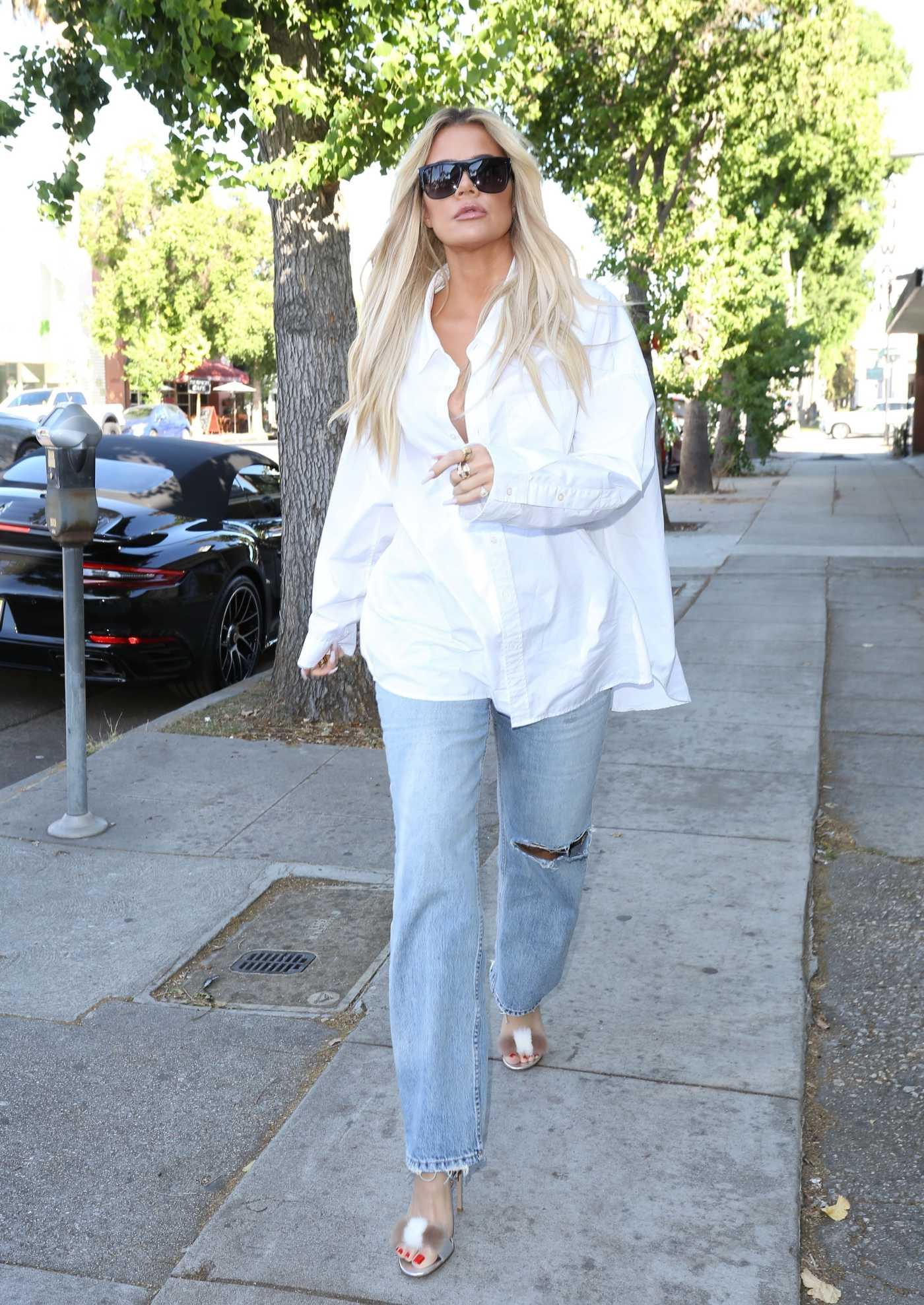 Khloe Kardashian in a Blue Ripped Jeans Was Seen Out in Sherman Oaks 10/03/2019