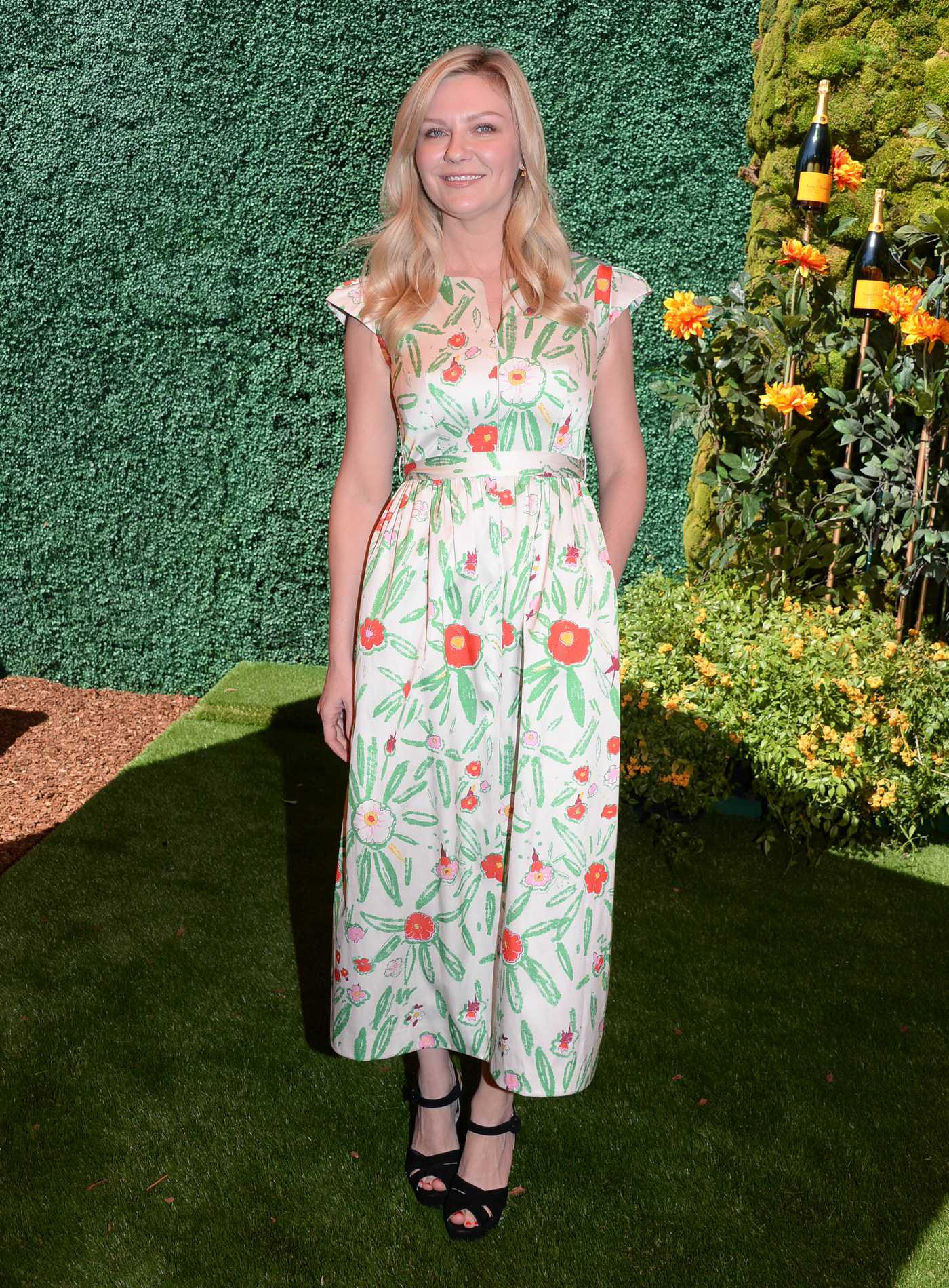 Kirsten Dunst Attends 2019 Veuve Clicquot Polo Classic at Will Rogers State Park in LA 10/05/2019