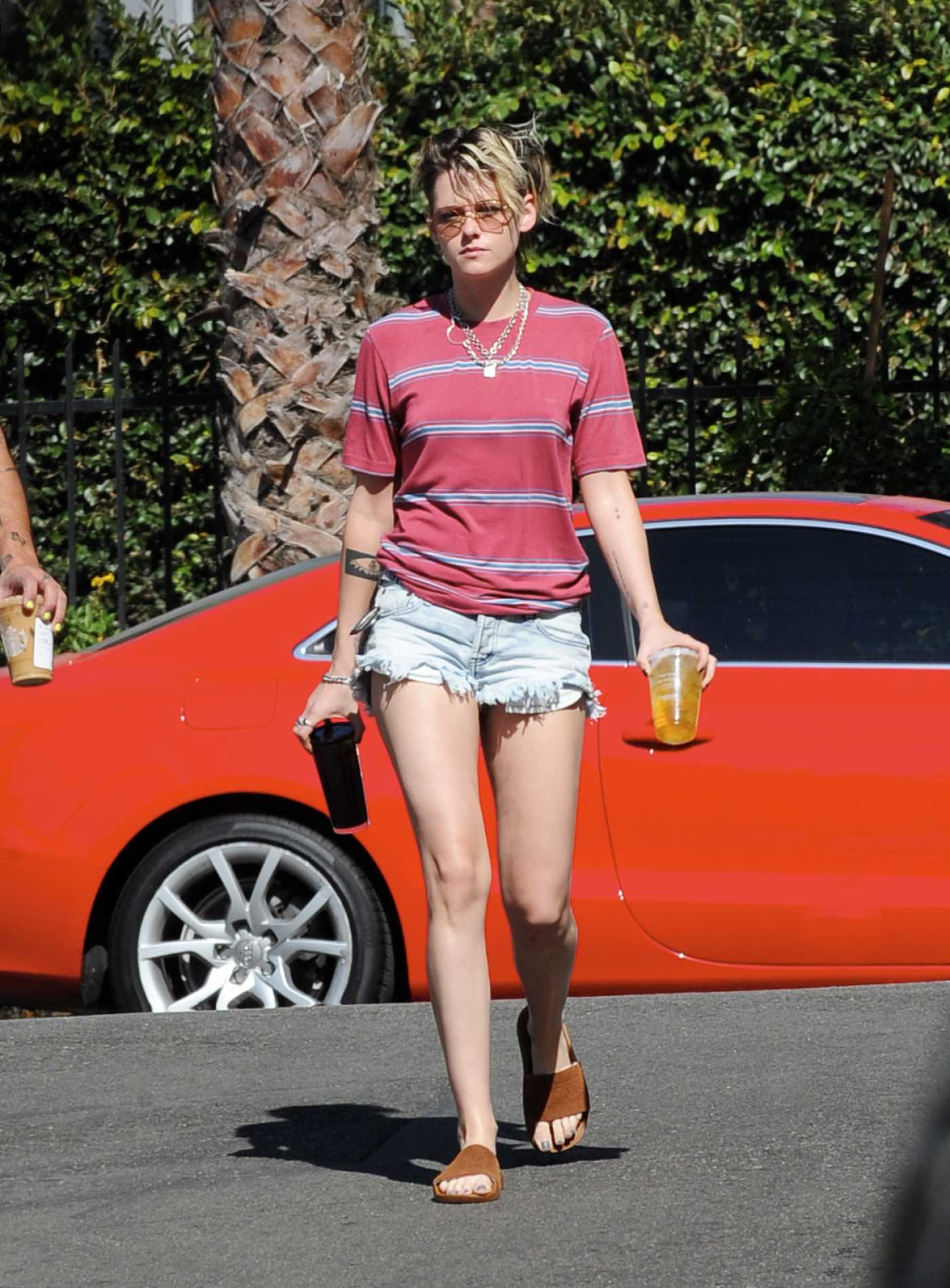Kristen Stewart in a Blue Daisy Duke Shorts Was Seen Out in Los Angeles 10/12/2019