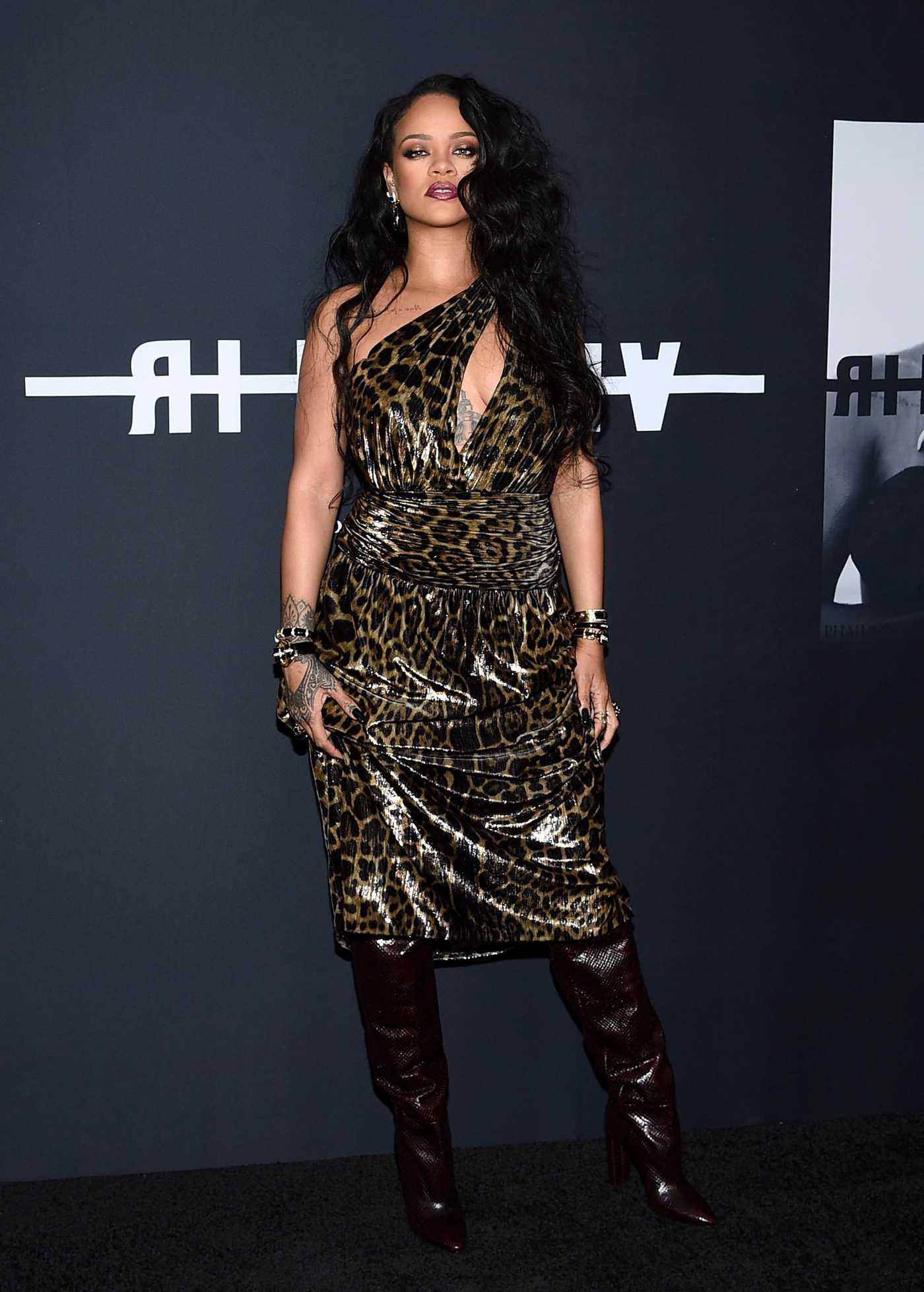 Rihanna Attends the Launch of Her First Visual Autobiography at Guggenheim Museum in New York City 10/11/2019