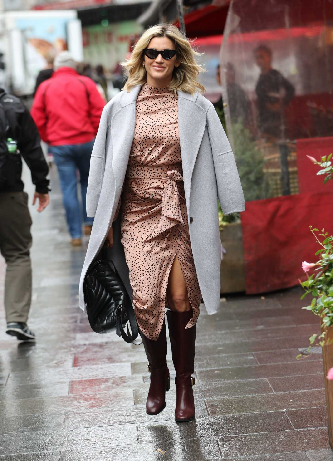 Ashley Roberts in a Gray Coat Exits Heart Radio in London 11/01/2019