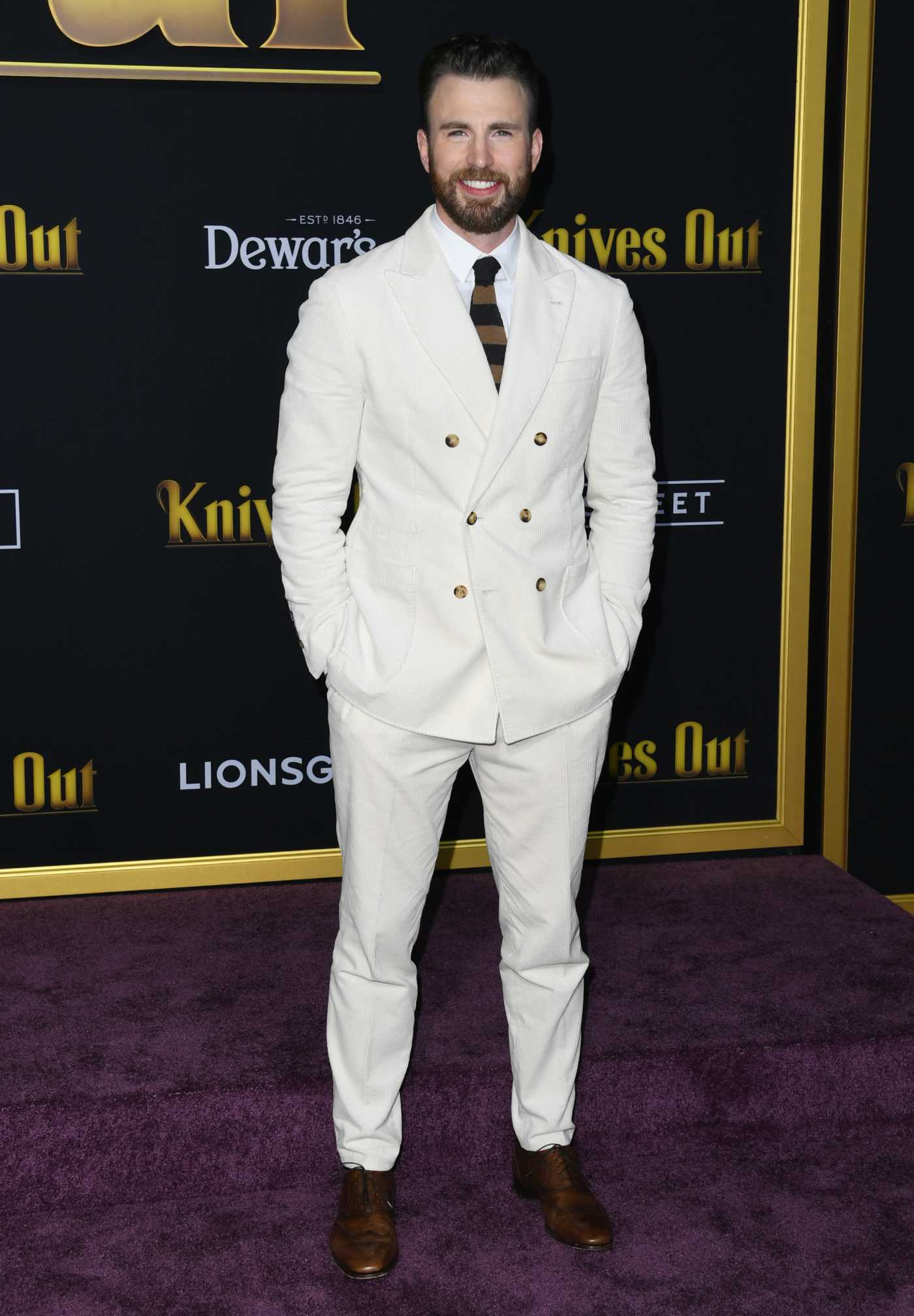 Chris Evans Attends the Knives Out Premiere in Los Angeles 11/14/2019