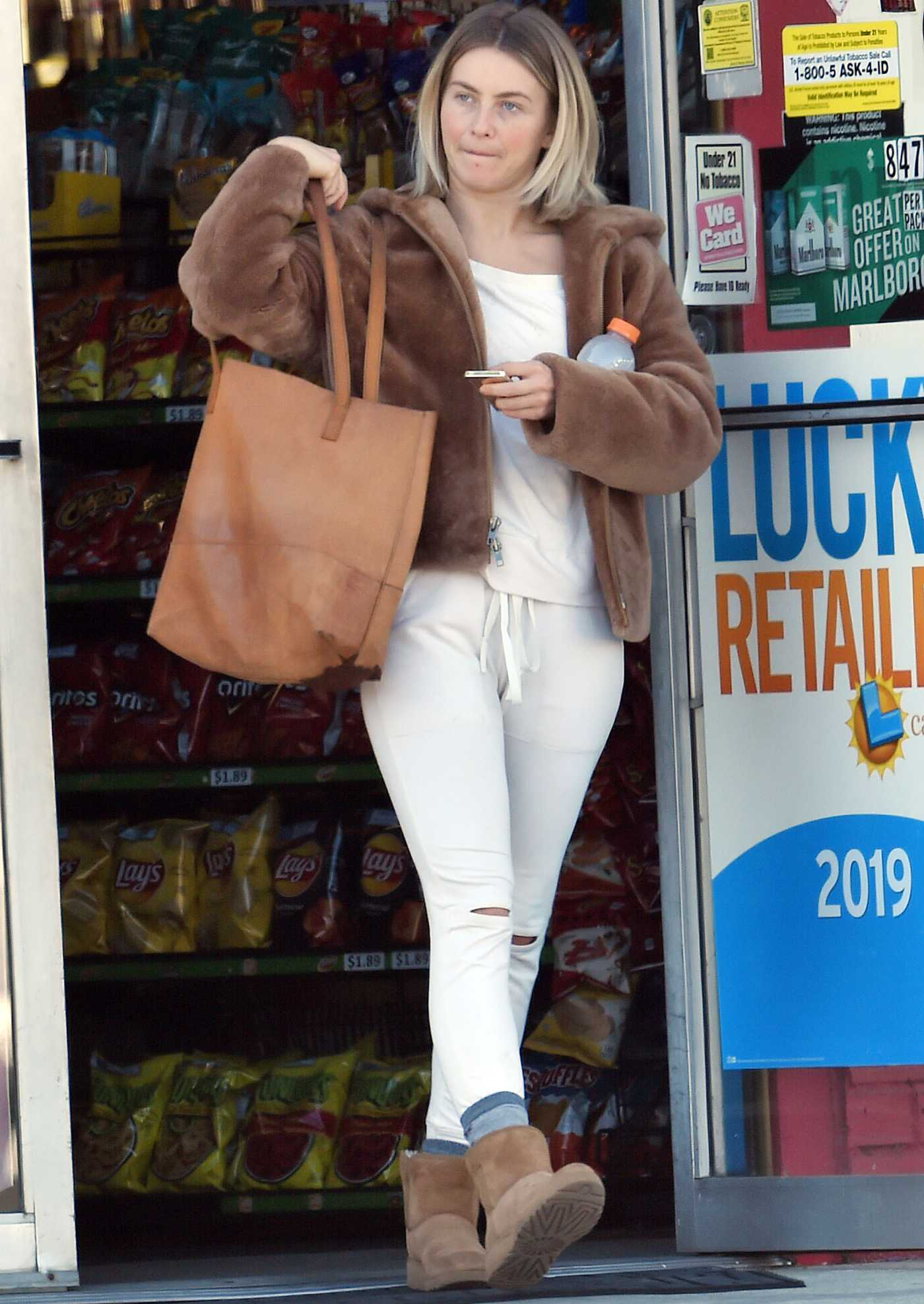 Julianne Hough in a White Ripped Pants Was Seen Out in Burbank 11/23/2019