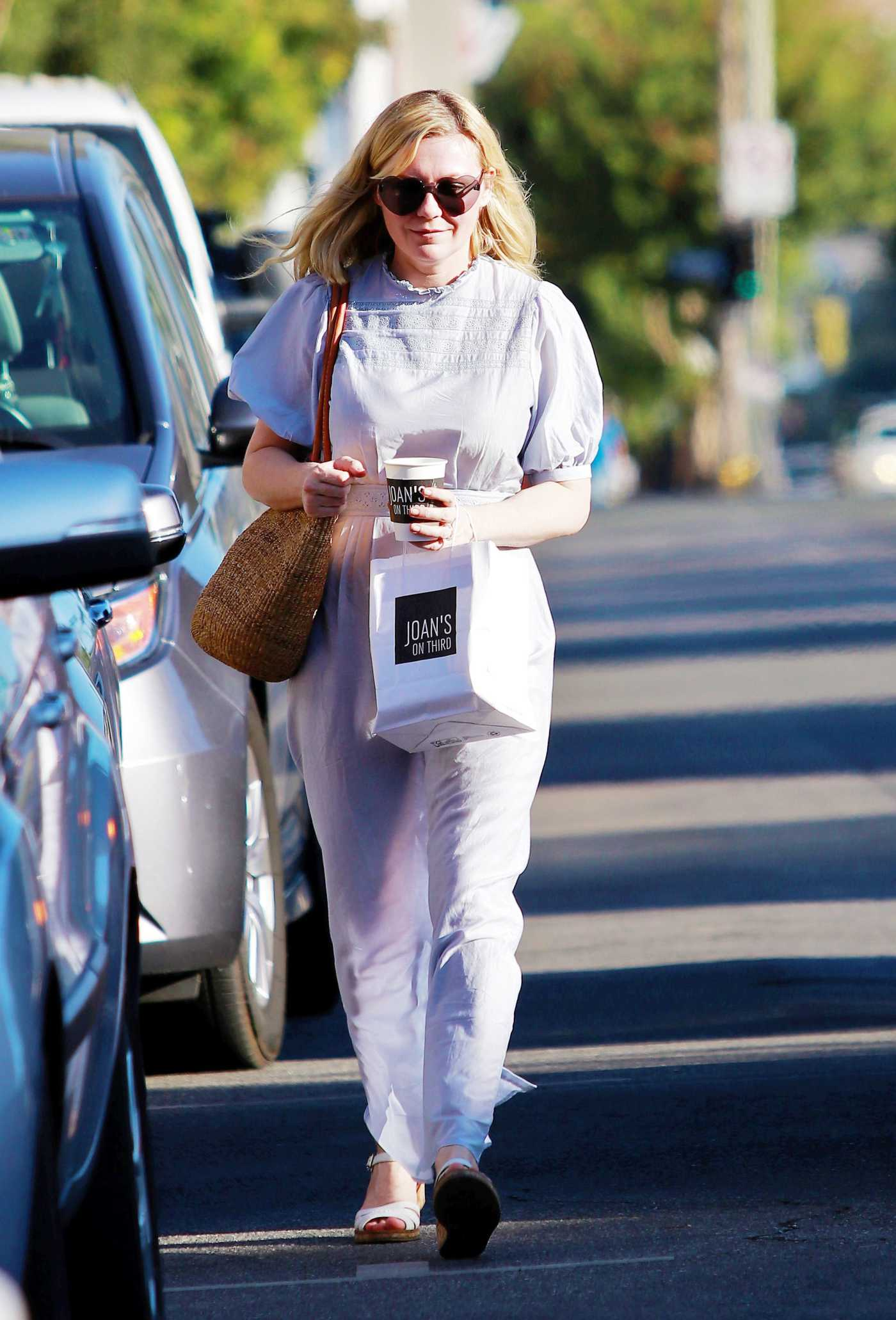 Kirsten Dunst Out for a Coffee at Jones on Third in LA 11/09/2019