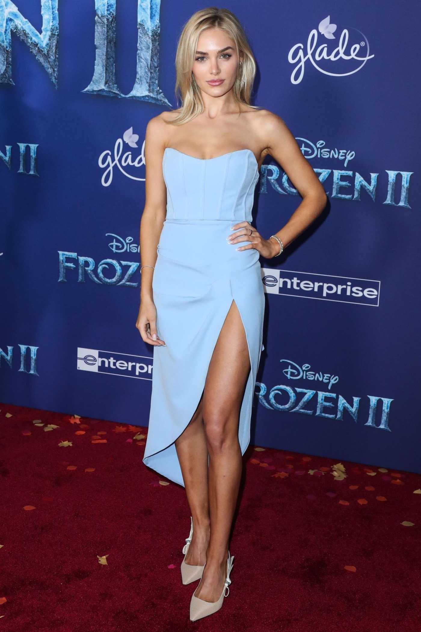Michelle Randolph Attends the Frozen 2 Premiere in Hollywood 11/07/2019