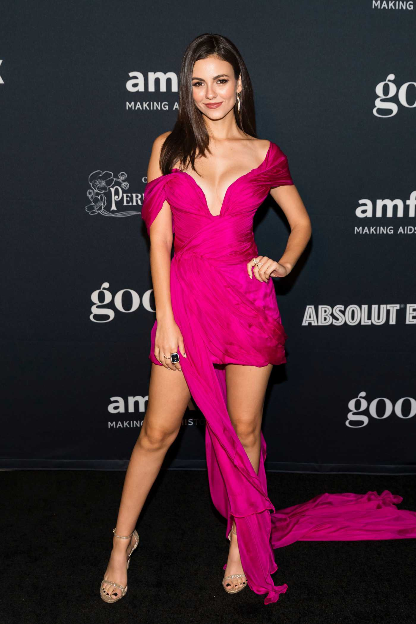 Victoria Justice Attends amfAR Charity Poker Tournament and Game Night in San Francisco 11/15/2019