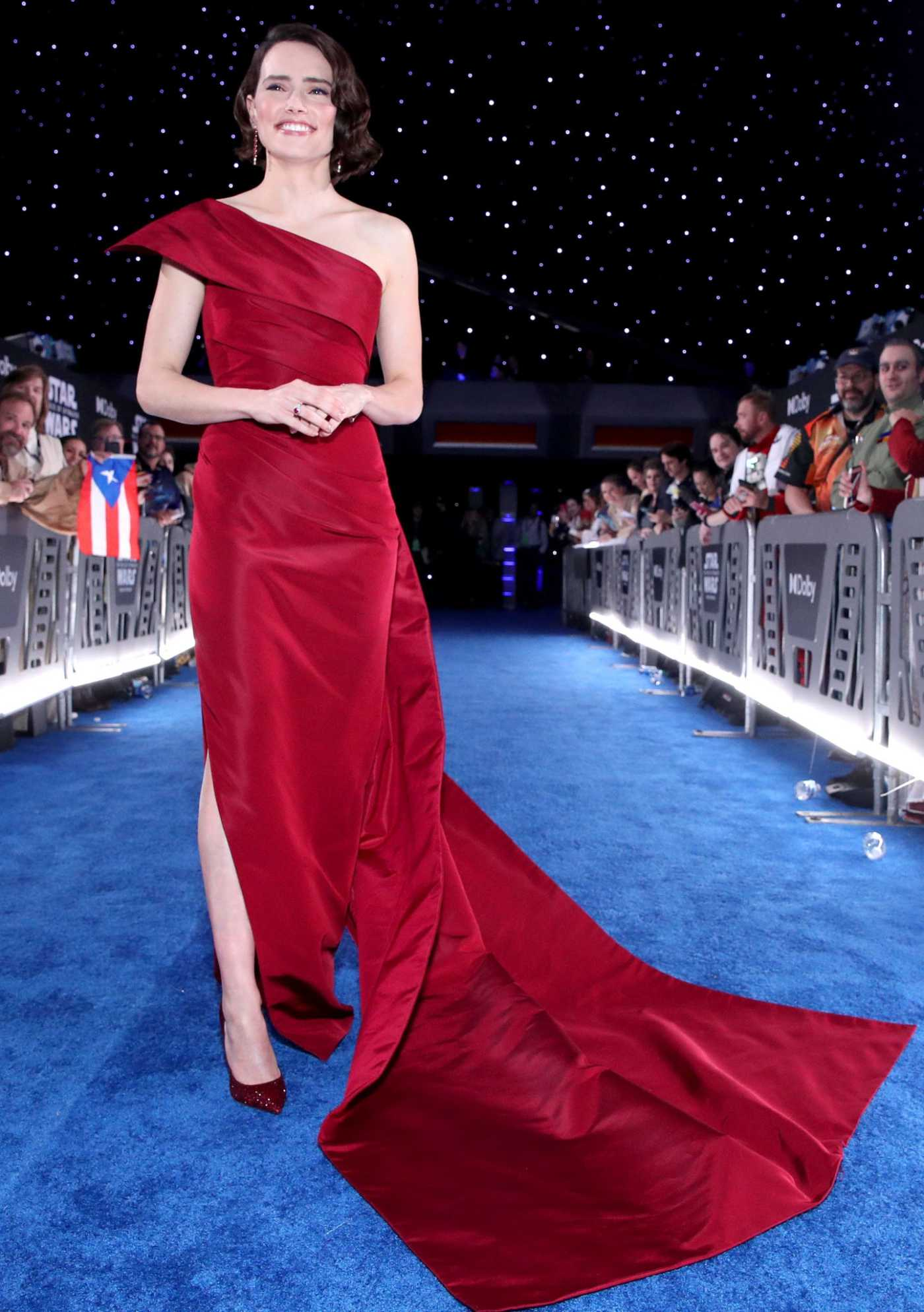 Daisy Ridley Attends Star Wars: The Rise of Skywalker Premiere in Los Angeles 12/16/2019