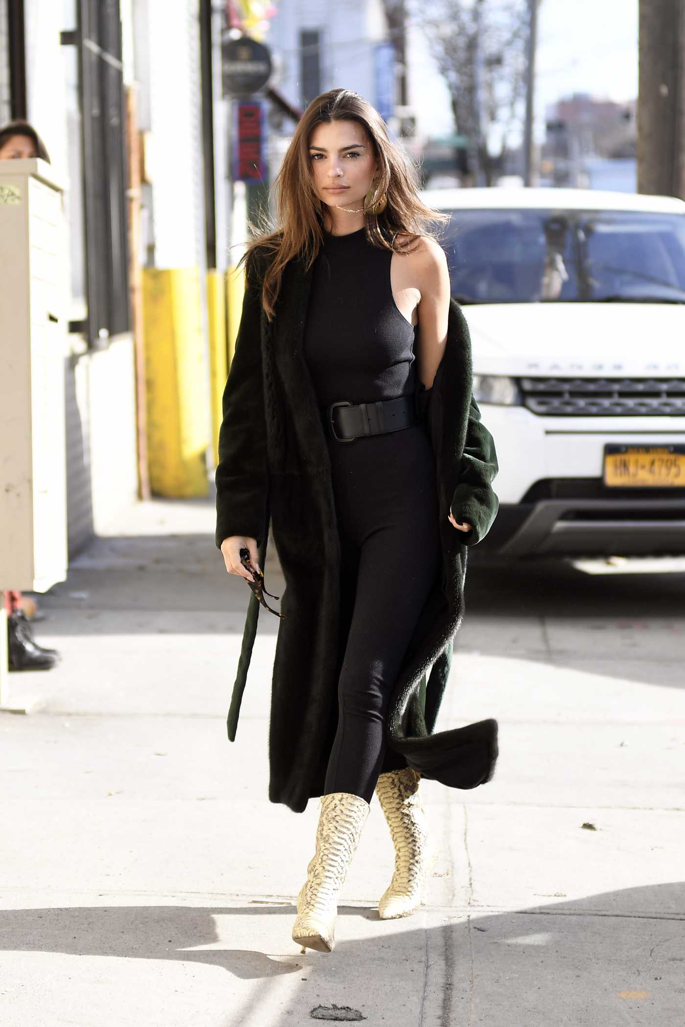 Emily Ratajkowski in a Black Top Does a Photoshoot in New York City 12/05/2019