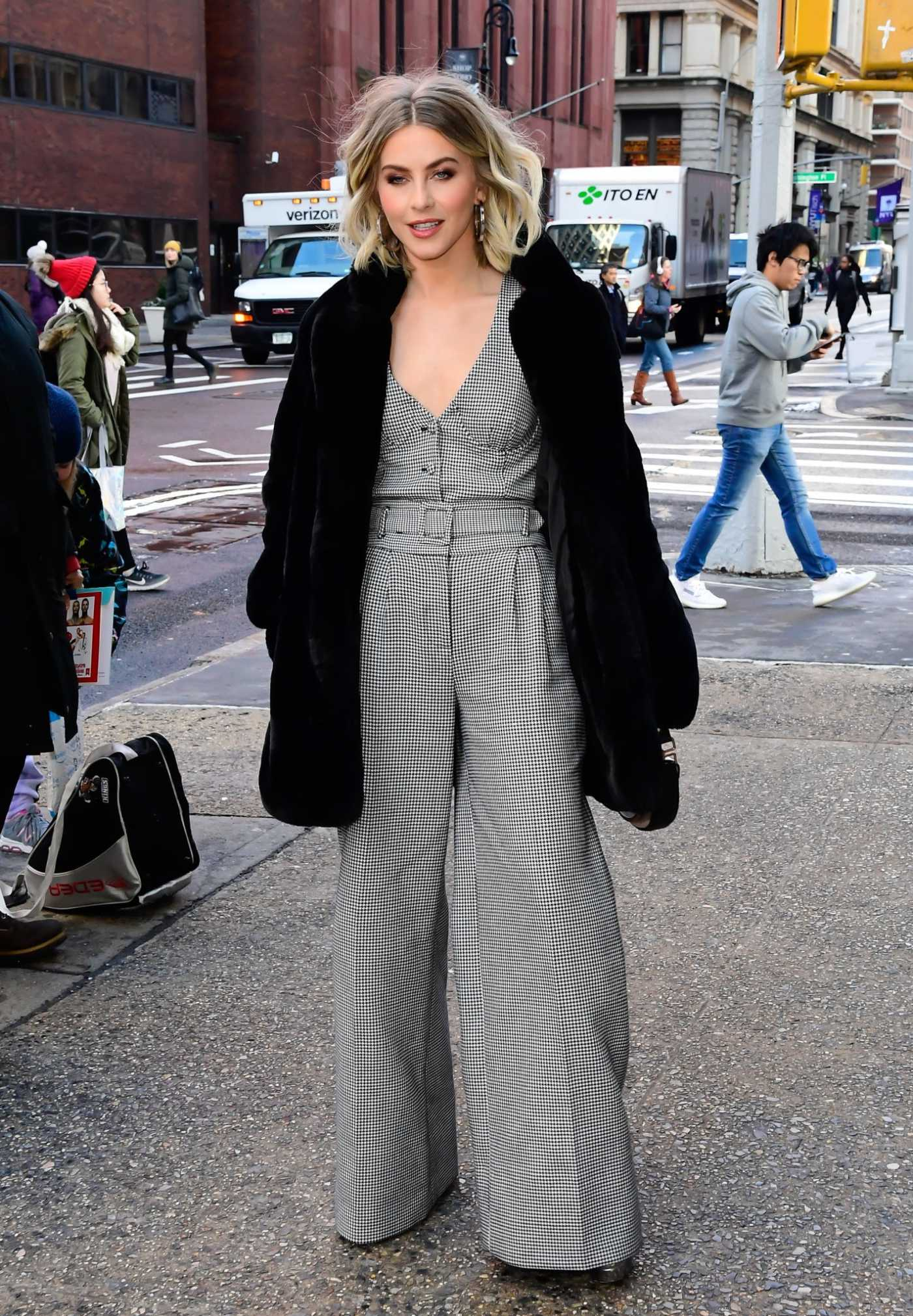 Julianne Hough in a Black Fur Coat Was Seen Out in New York City 12/03/2019