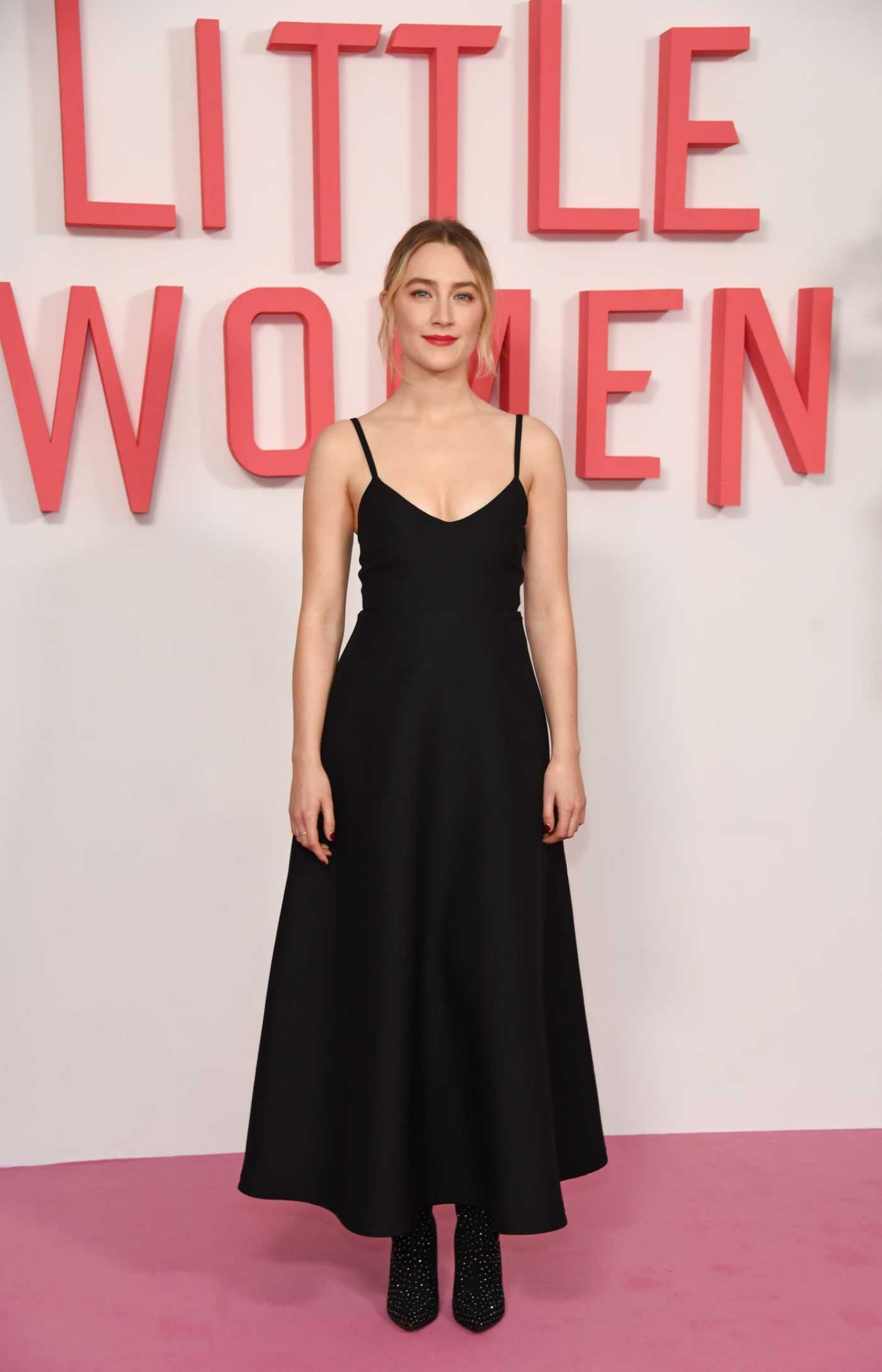 Saoirse Ronan Attends the Little Women Photocall at the Soho Hotel London in London 12/16/2019