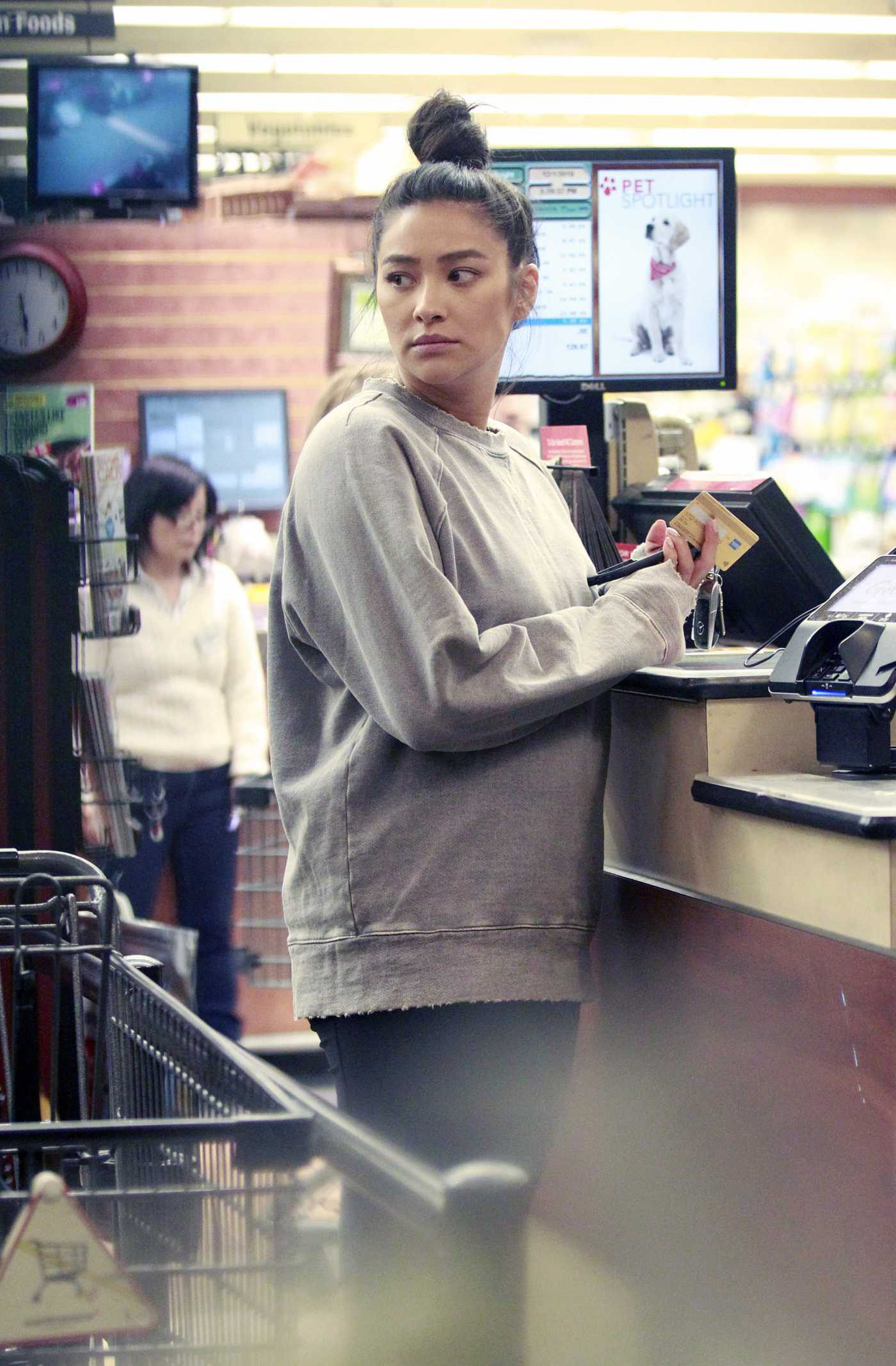 Shay Mitchell in a Gray Sweatshirt Goes Shopping at Gelson's Market in Los Angeles 12/01/2019