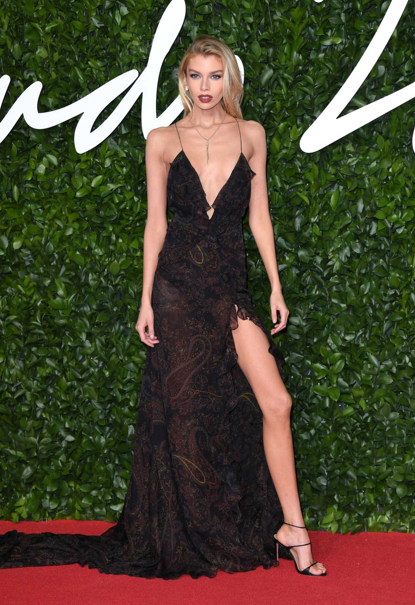 Stella Maxwell Attends 2019 Fashion Awards at Royal Albert Hall in London 12/02/2019