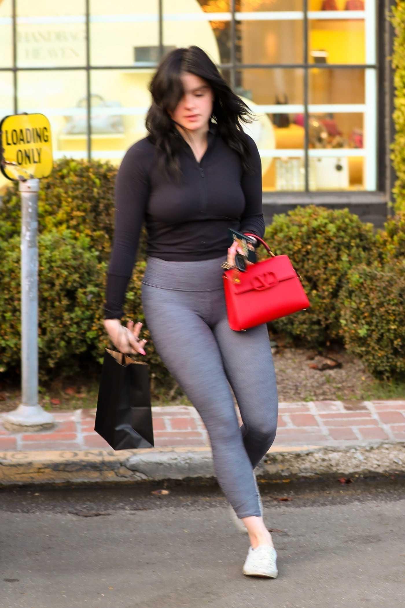 Ariel Winter in a Gray Leggings Leaves Nine Zero One Salon in West Hollywood 01/14/2020