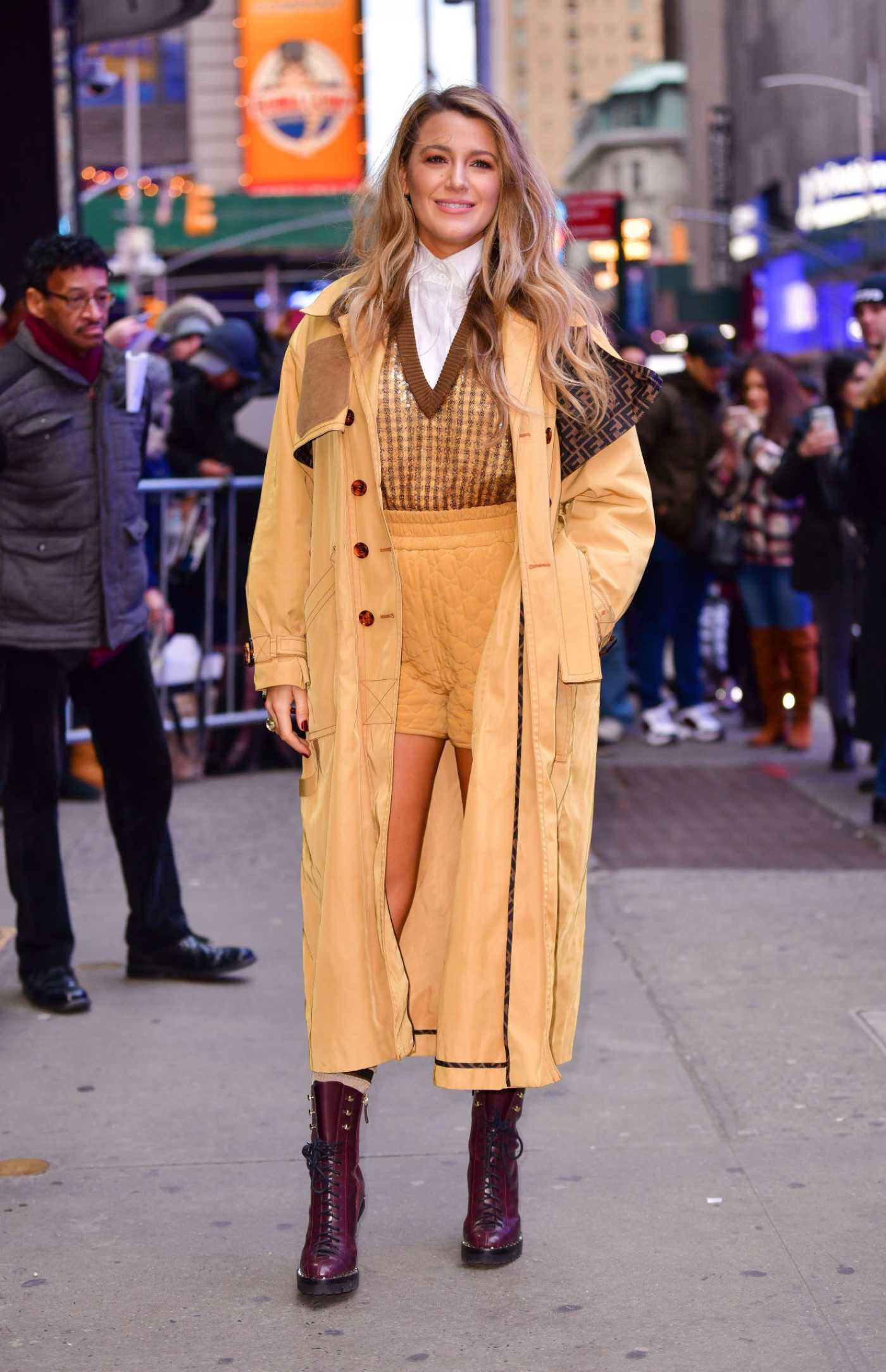 Blake Lively in a Yellow Trench Coat Arrives at ABC's Good Morning America in New York 01/28/2020