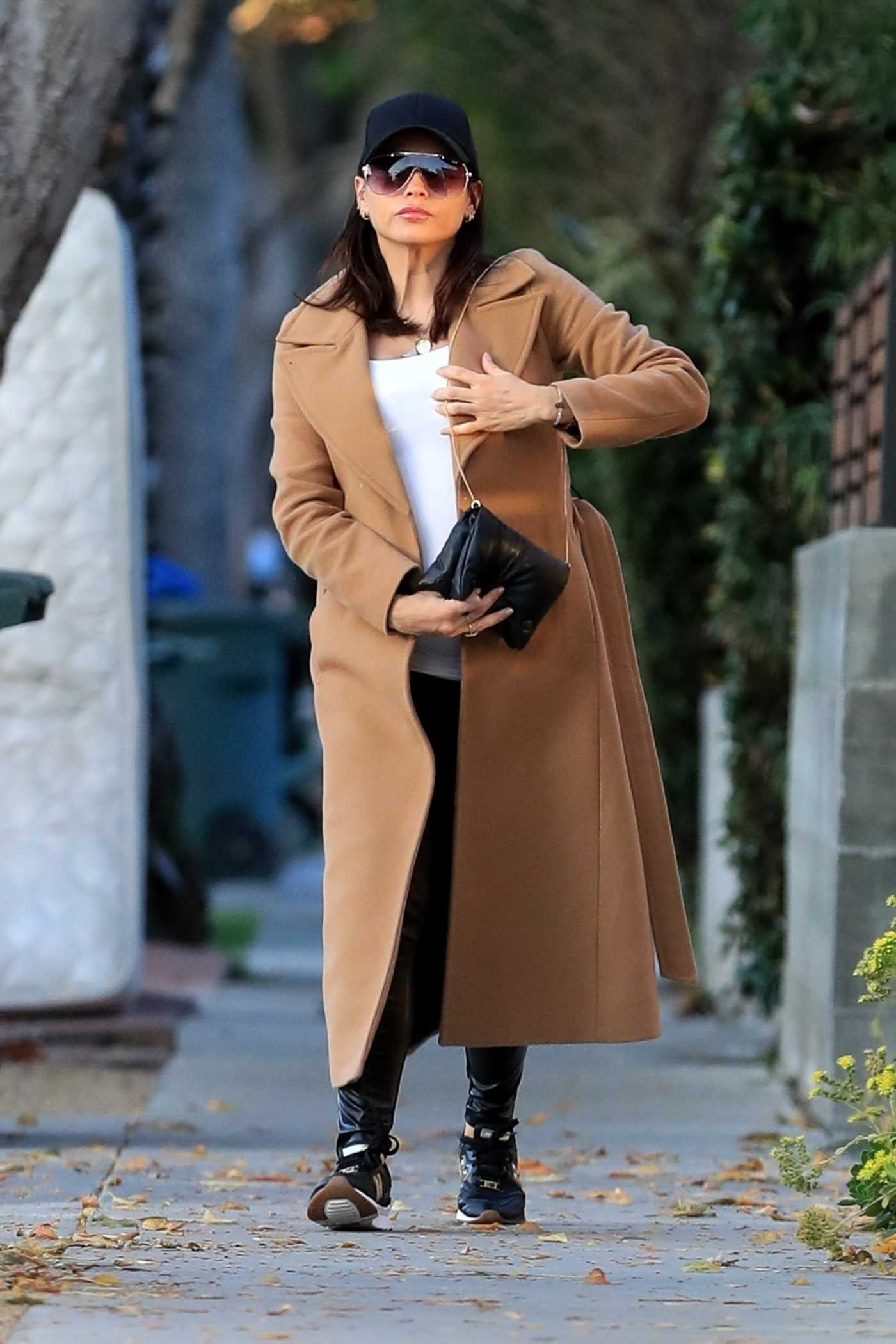 Jenna Dewan in a Beige Coat Was Seen Out in Studio City 01/22/2020