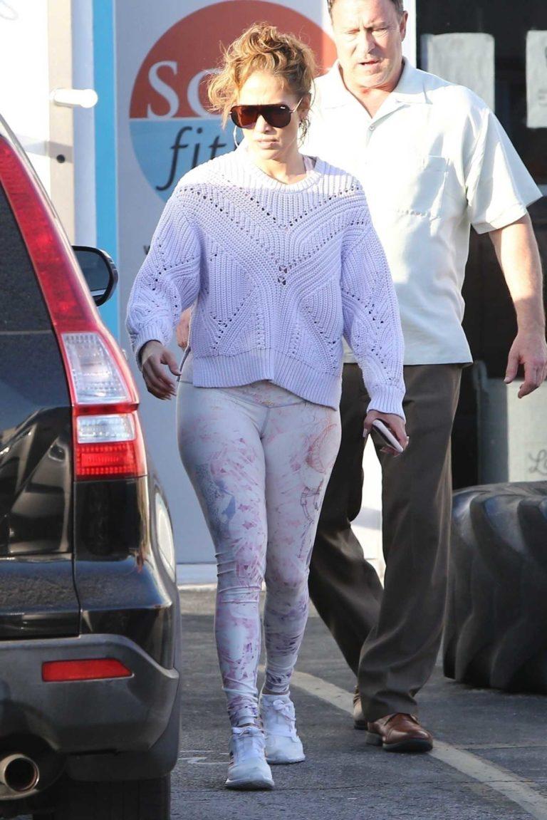 Jennifer Lopez in a White Sneakers