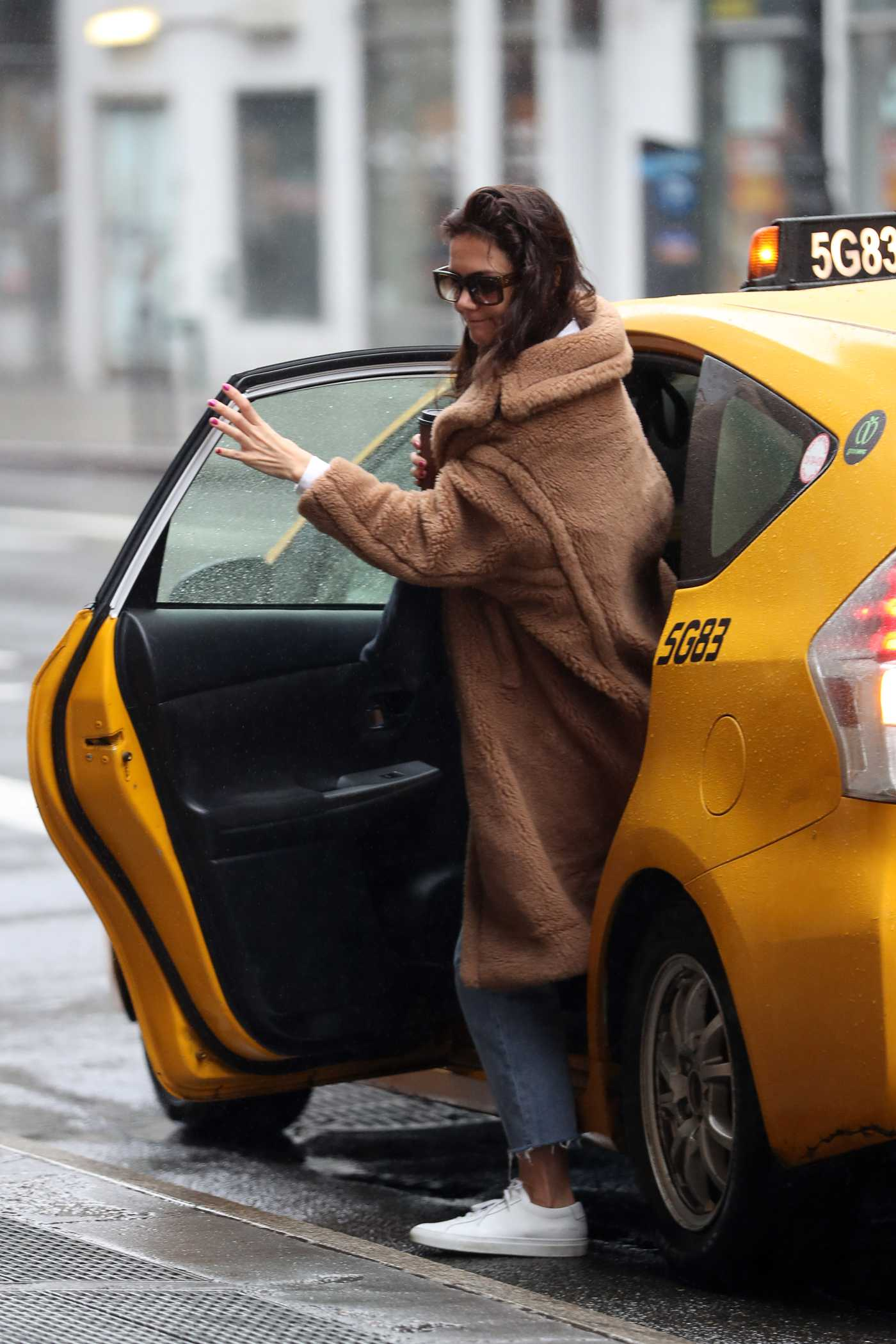 Katie Holmes in a Brown Fur Coat Was Seen Out in New York 01/03/2020