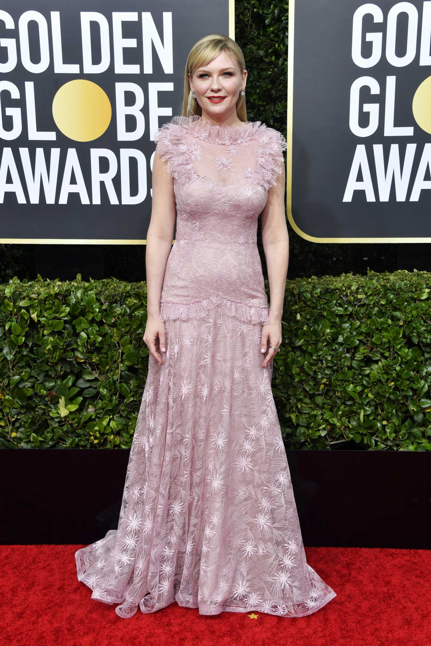Kirsten Dunst Attends the 77th Annual Golden Globe Awards at the Beverly Hilton Hotel in Beverly Hills 01/05/2020
