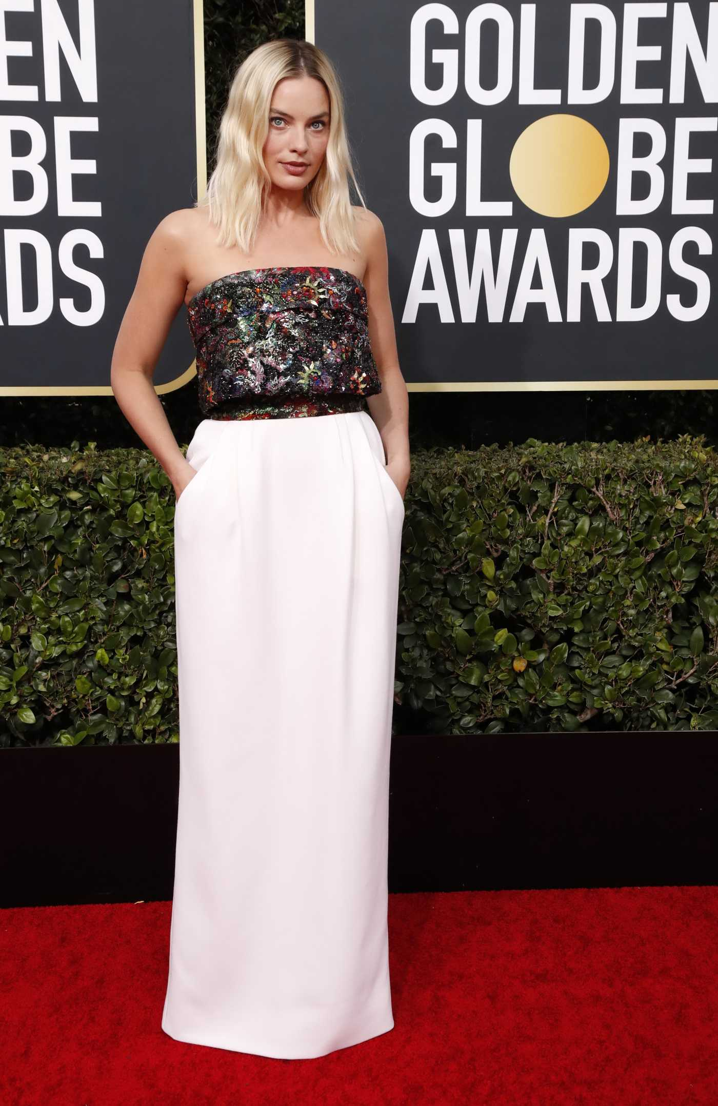 Margot Robbie Attends the 77th Annual Golden Globe Awards at the Beverly Hilton Hotel in Beverly Hills 01/05/2020